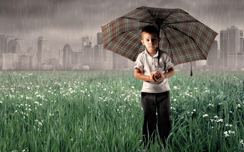 все картинки с дождем и человеком является своего