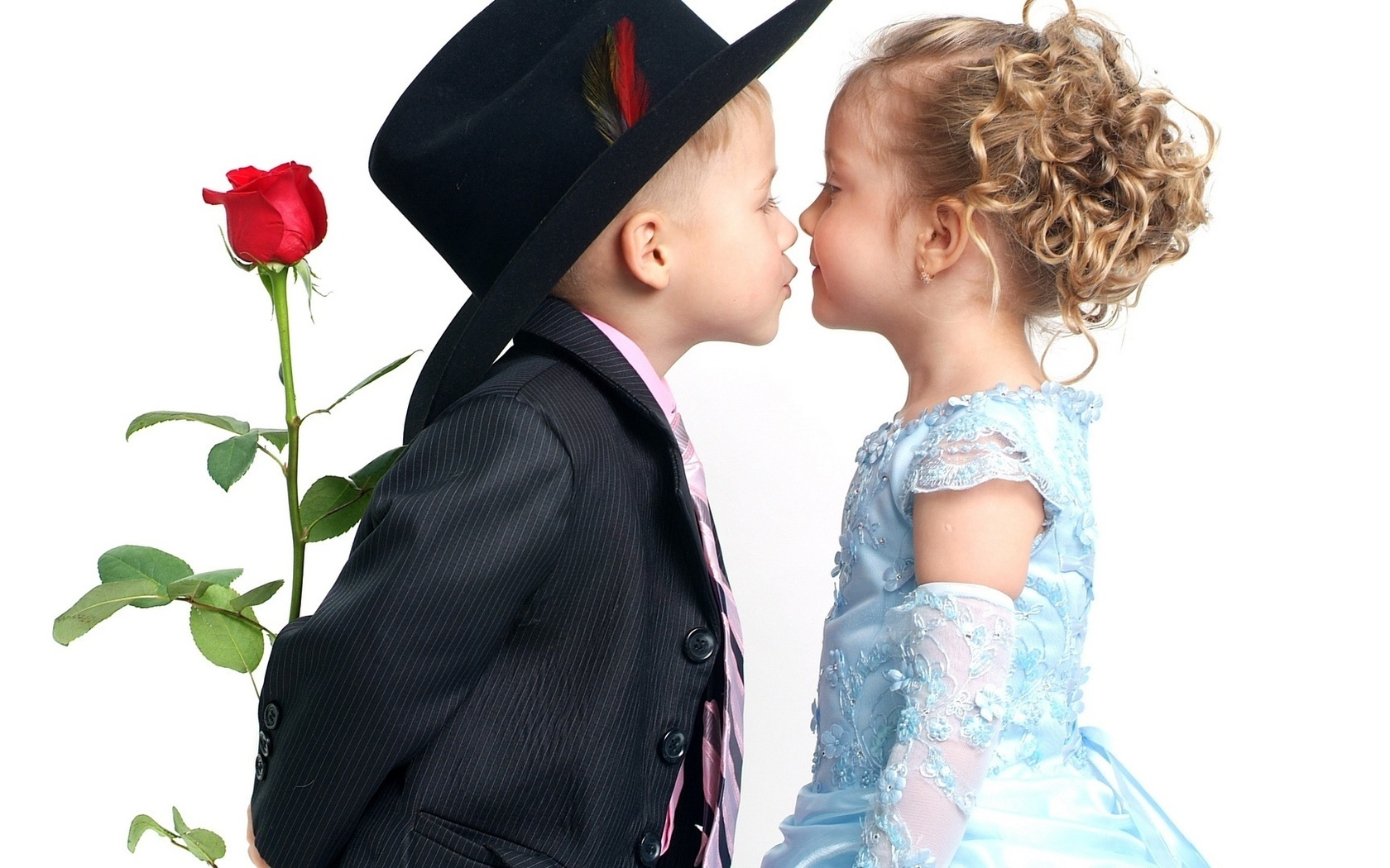 Картинка поцелуй ребенка