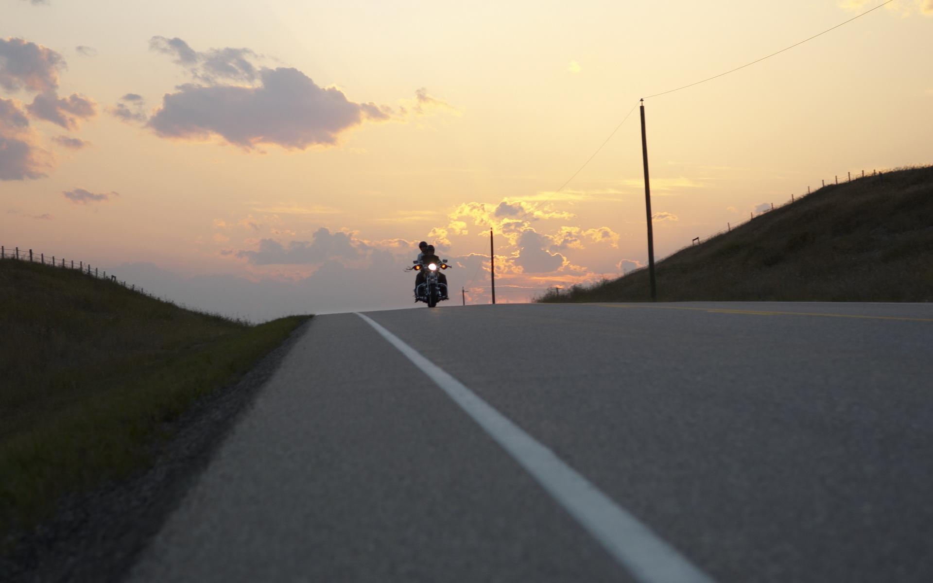 Картинки о дорогах байкерах