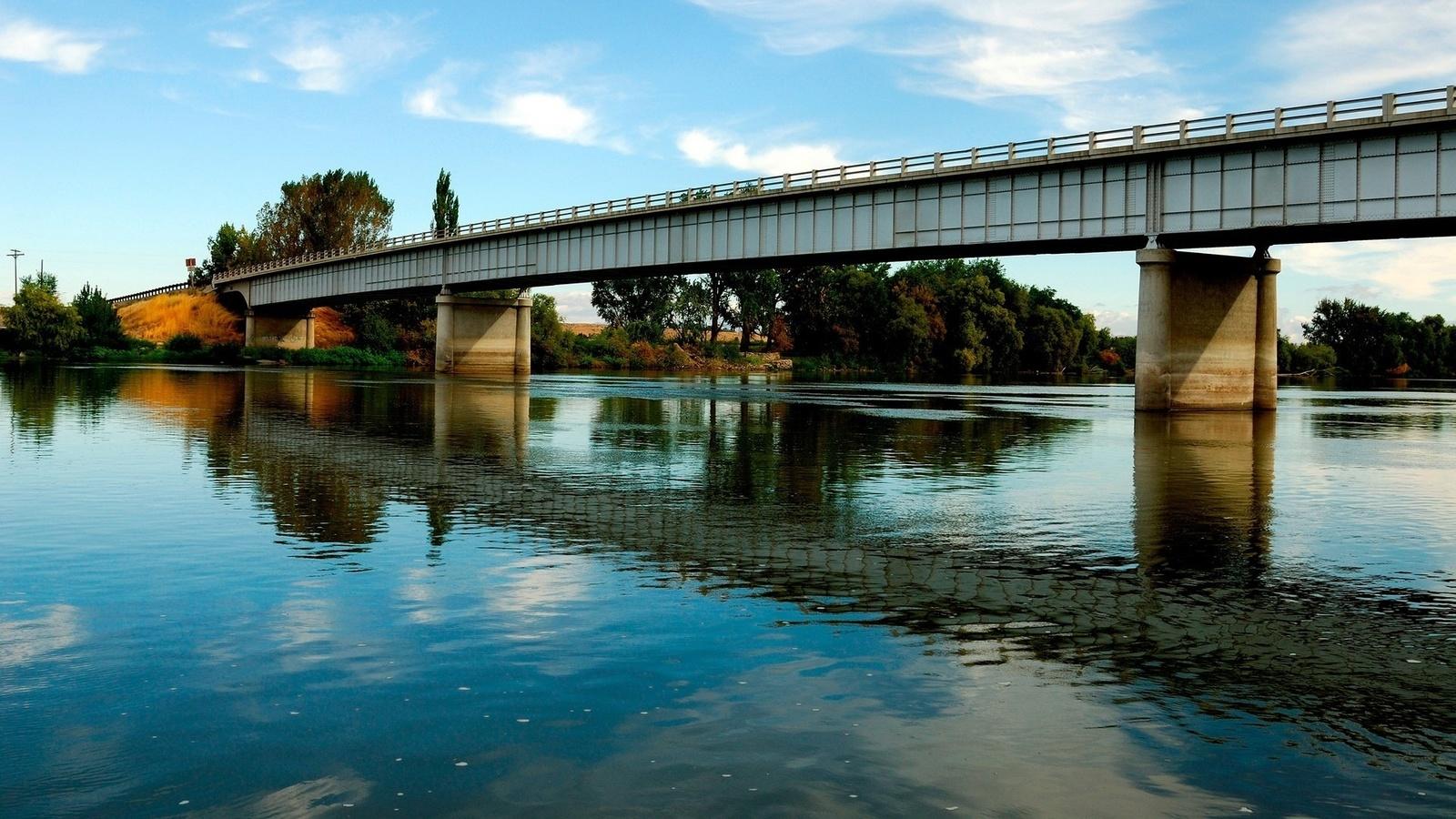 шульц мост через речку картинка улице