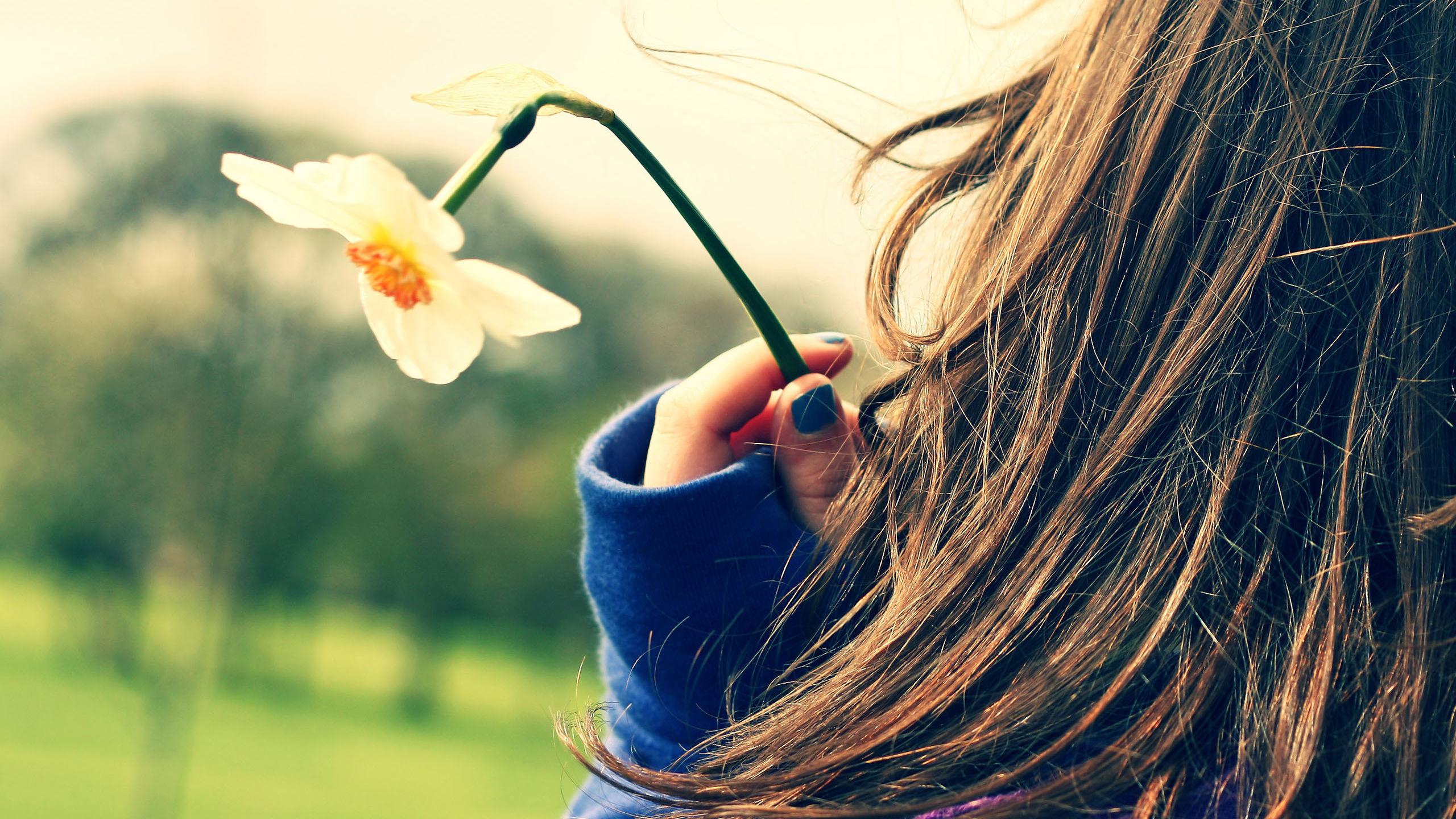 Картинка на аватар девушки