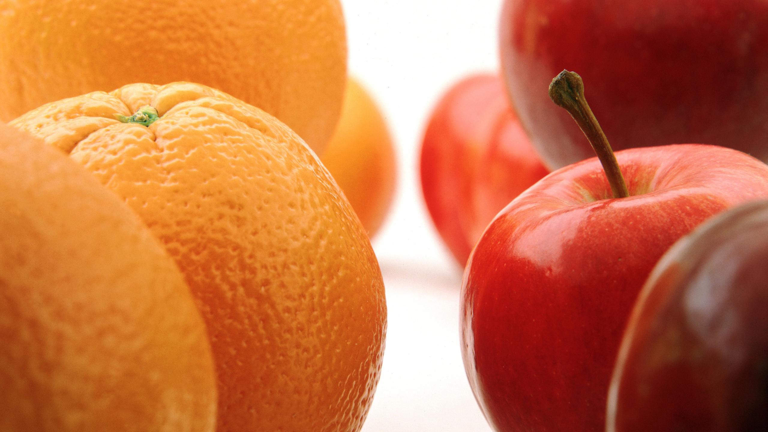 когда картинка апельсина и яблоками комодов