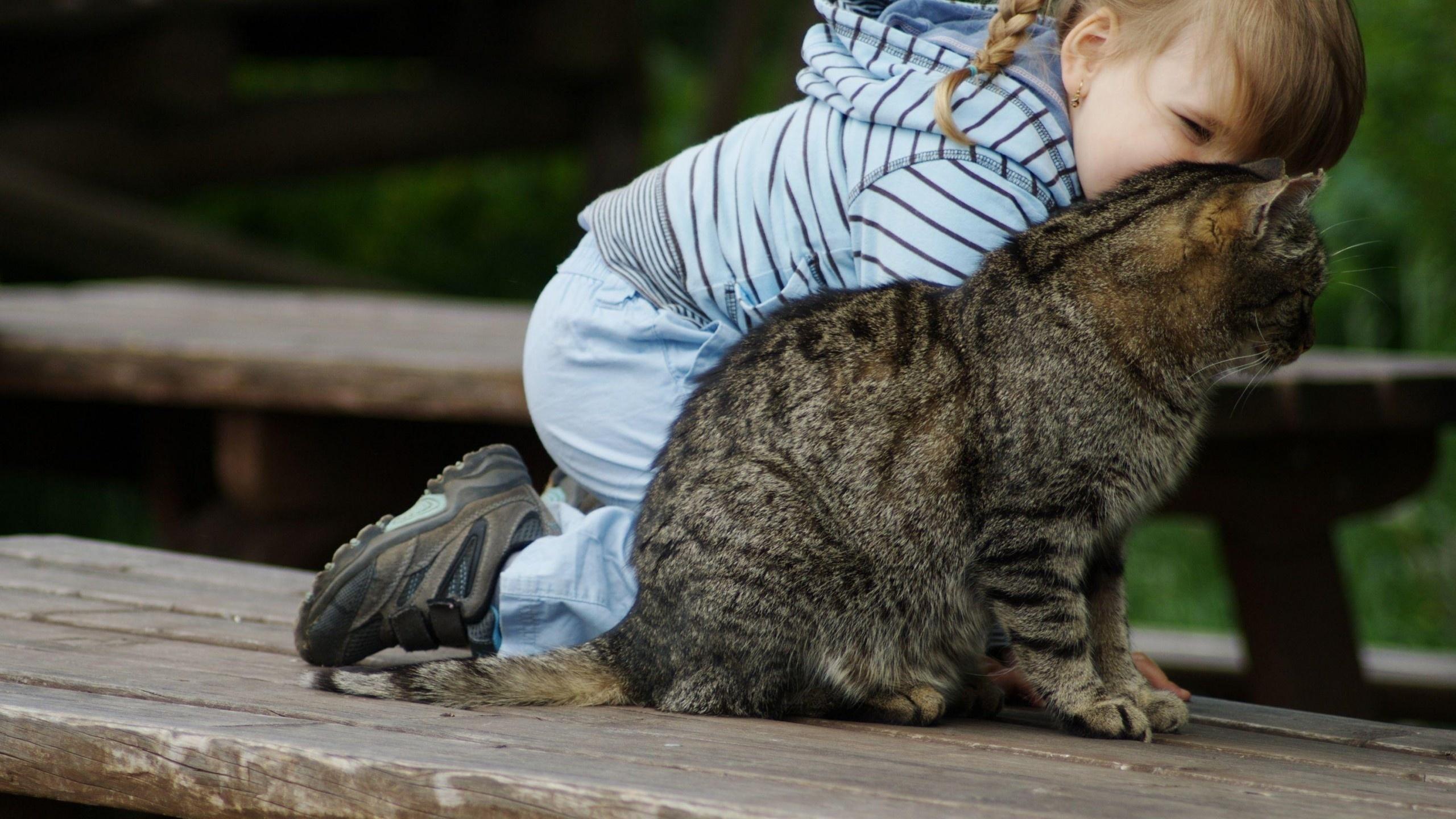 Прикольные картинки девочек с животными