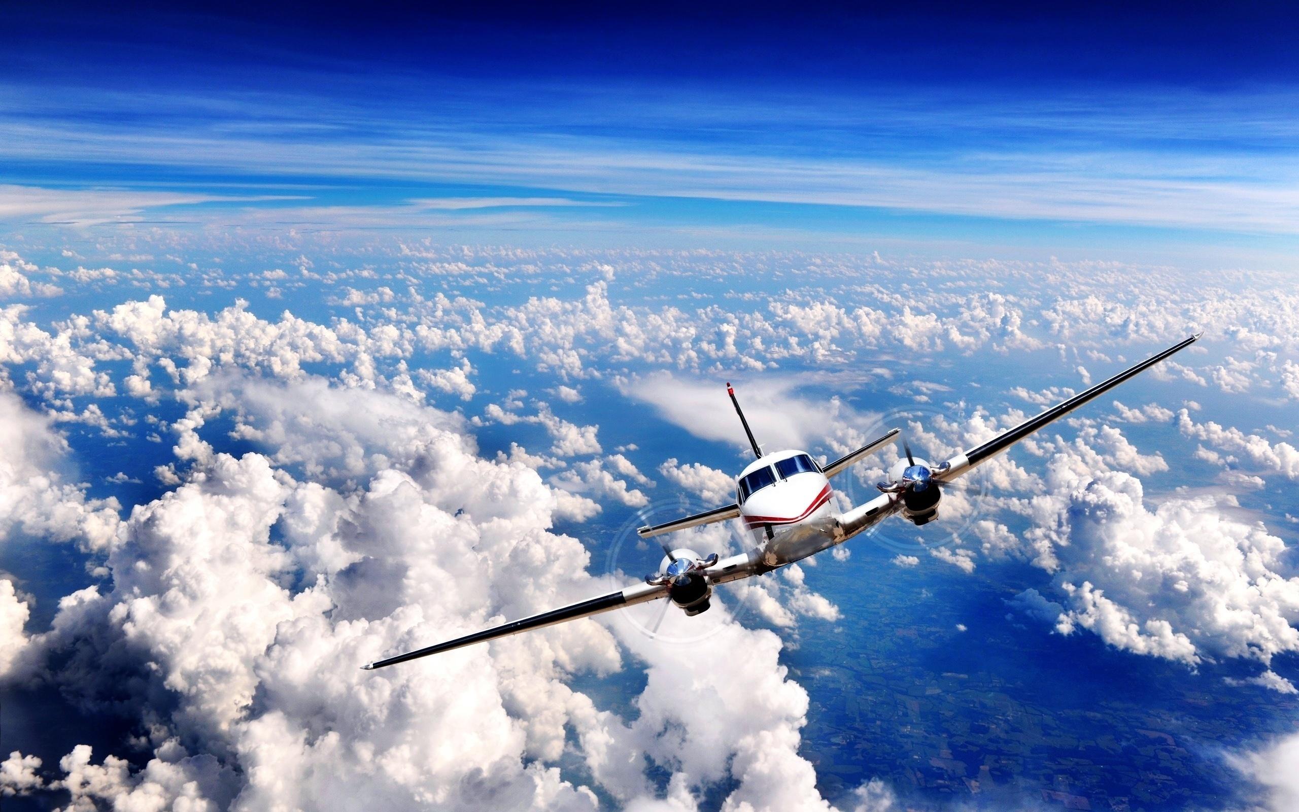 картинка с обложки самолетом находится сердце старого