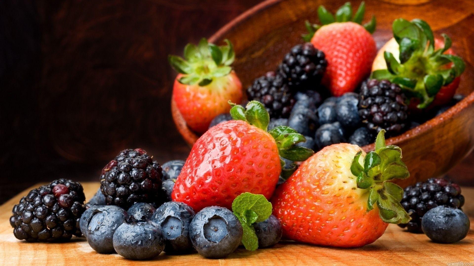 Широкоформатные картинки ягоды