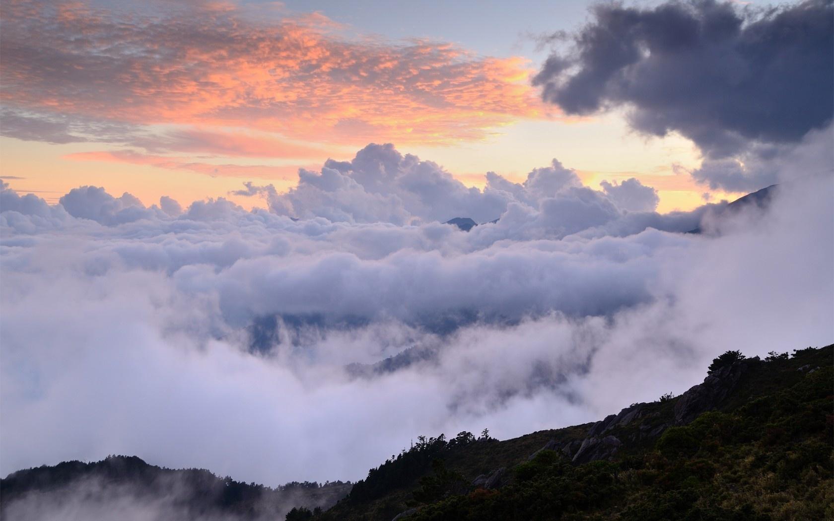 картинка выше облаков в горах бобслеистов шляпка как