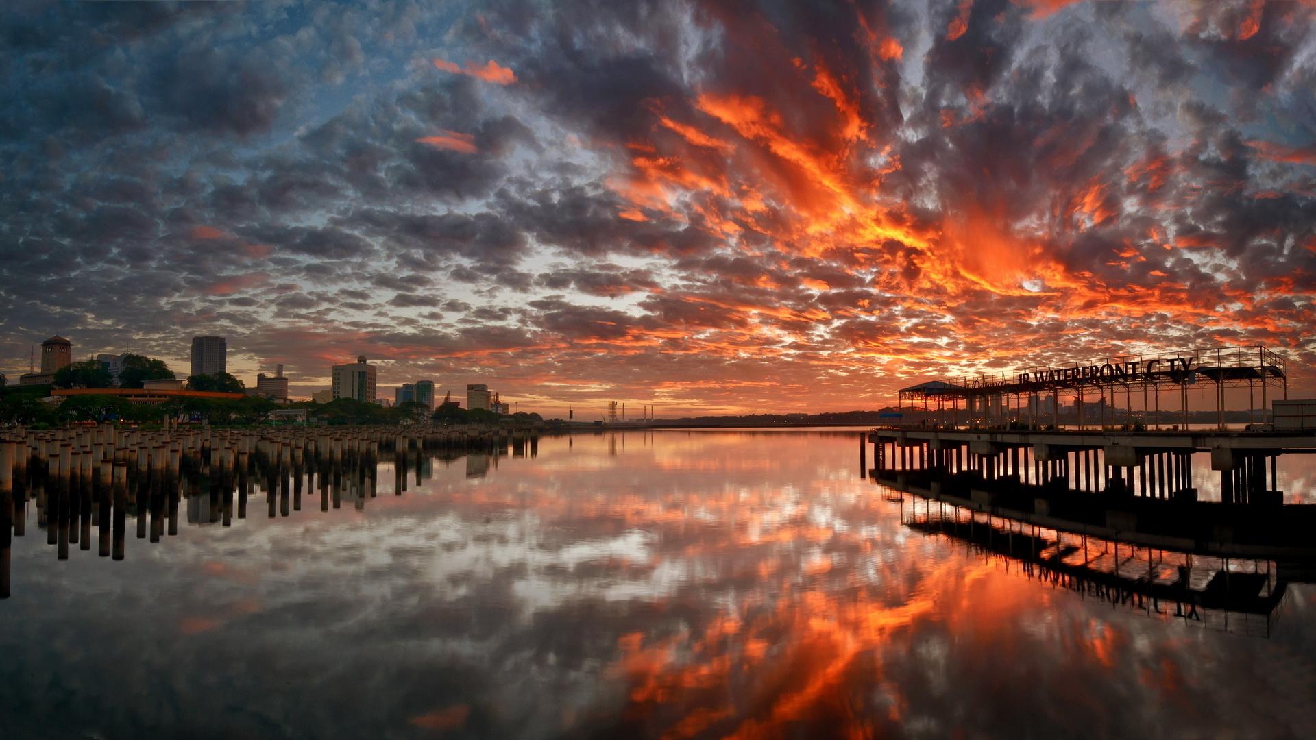 Красивая картинка заката в городе
