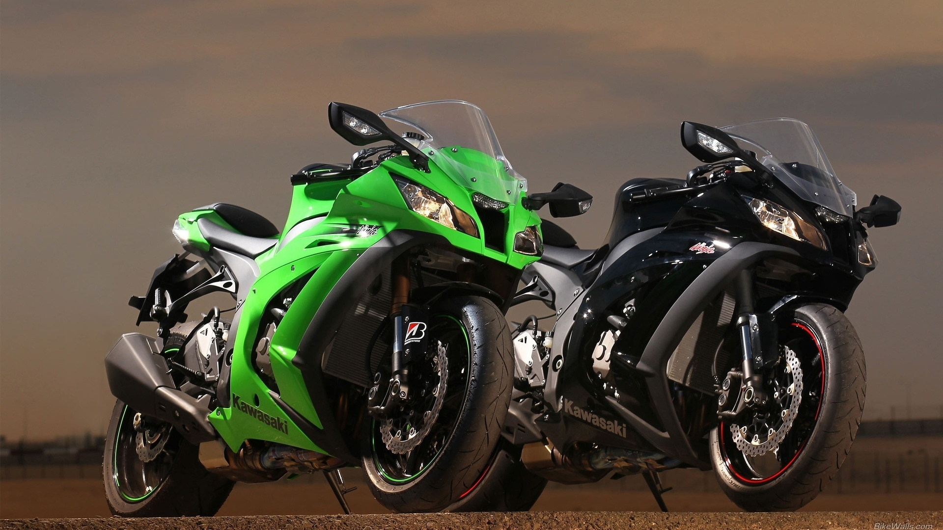 много картинок с мотоциклами карту