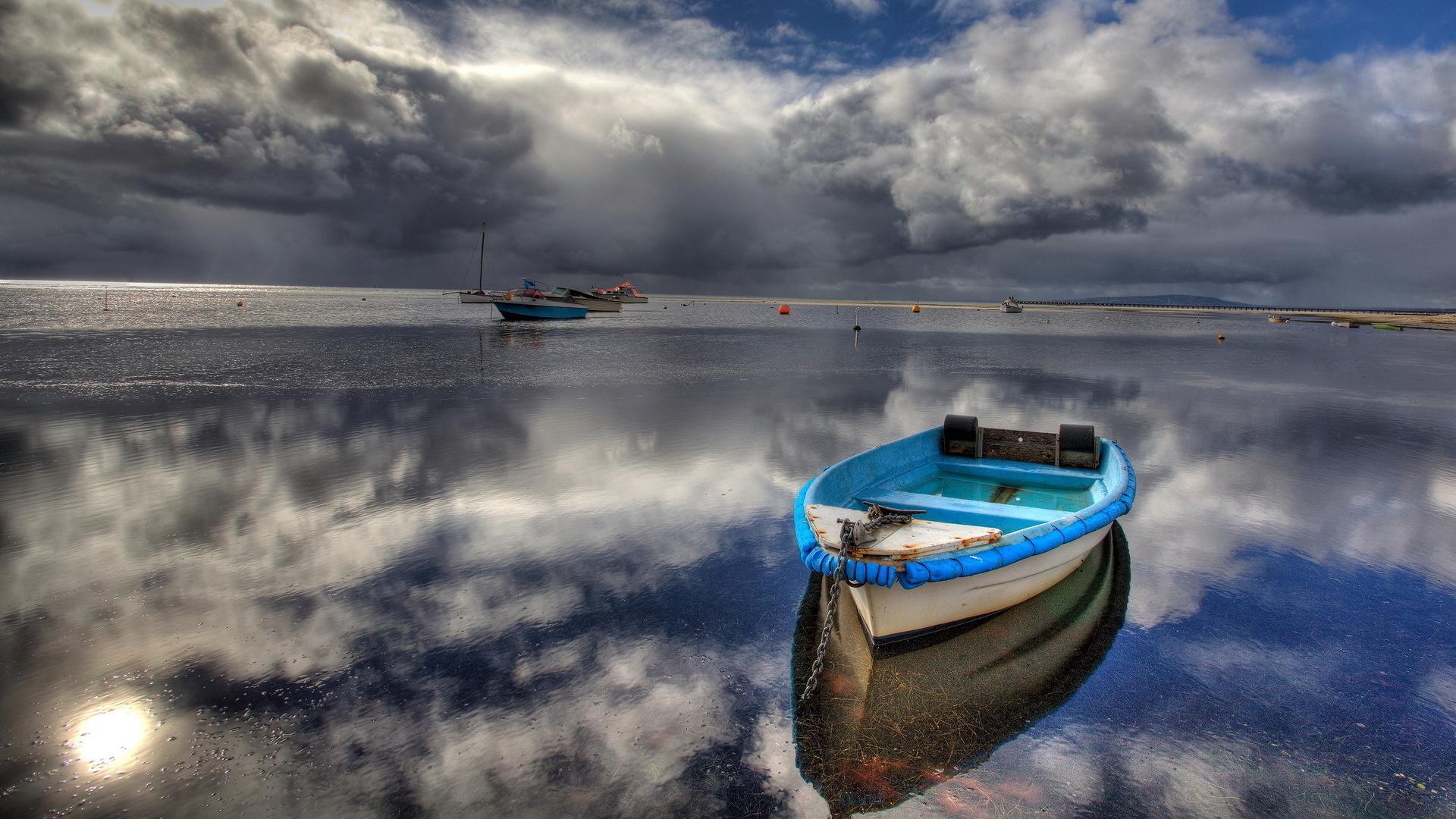 картинки на телефон лодка море пошленьких