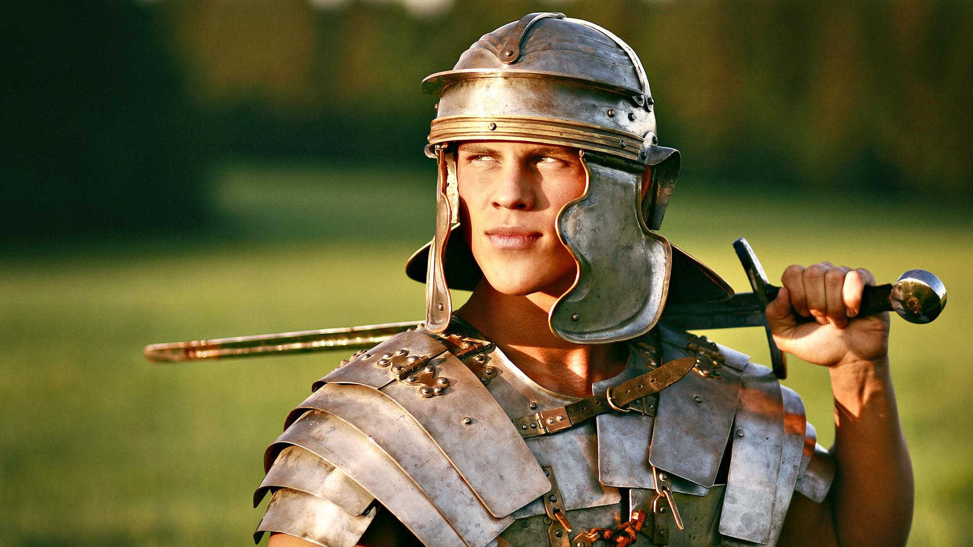 Фото воинов с мечами дэвис работает