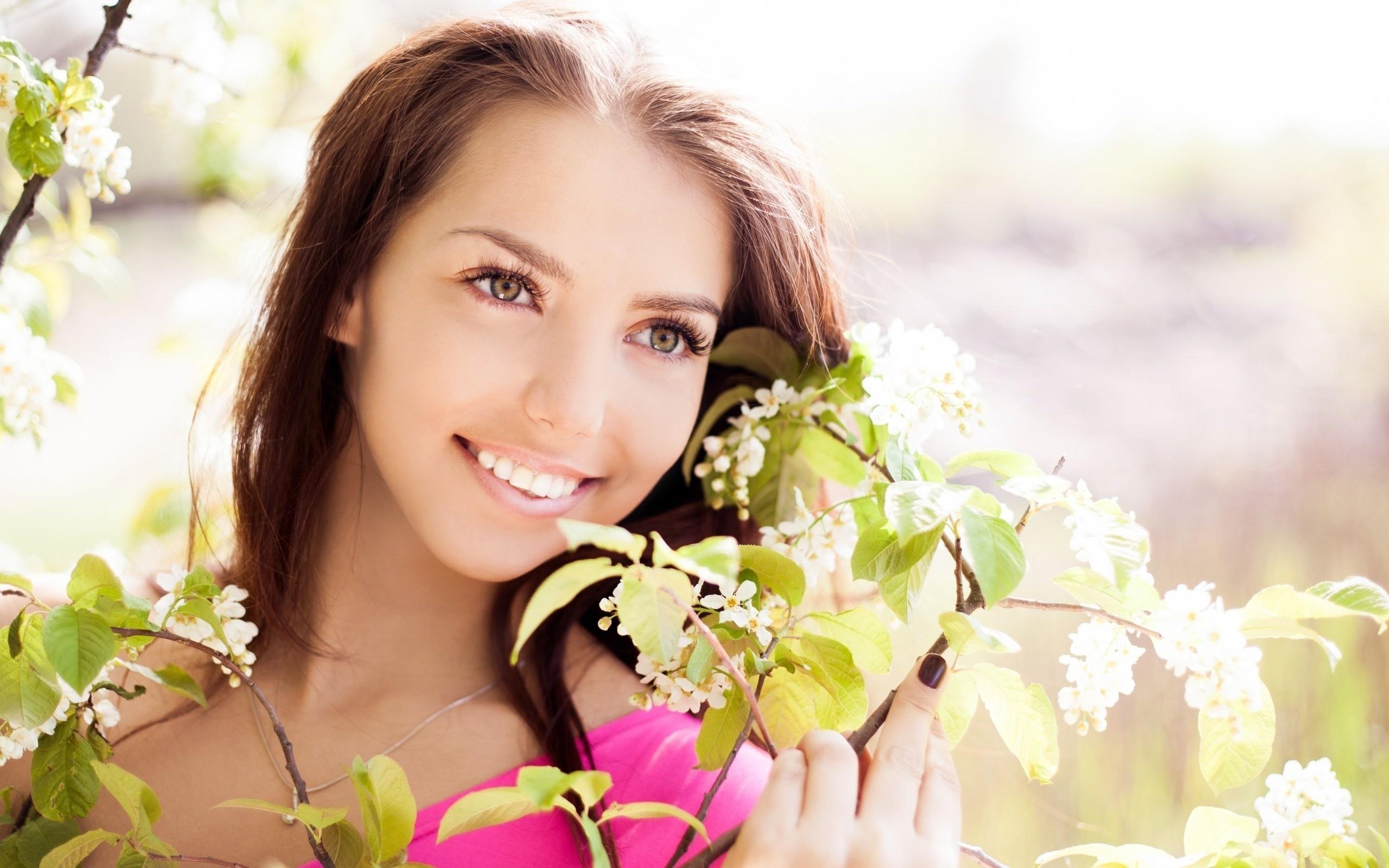 Картинки красивая женщина с цветами
