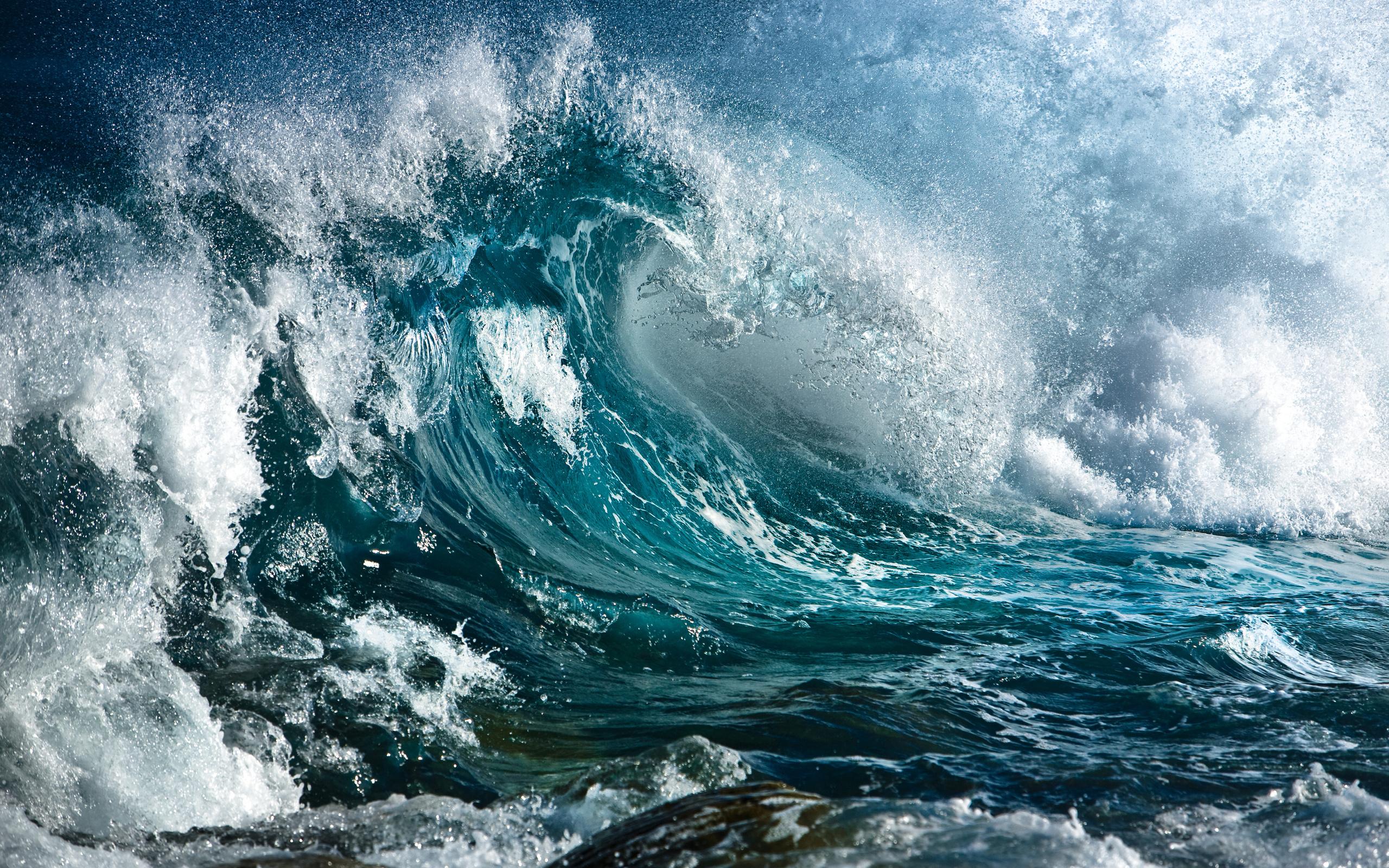 красивые картинки большие волны от любви находится живописном месте