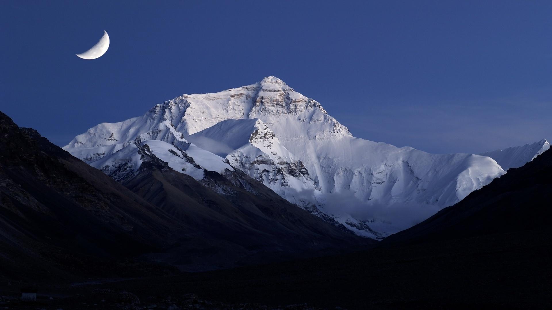 вокруг гора эверест картинка на обои обожал свою избранницу