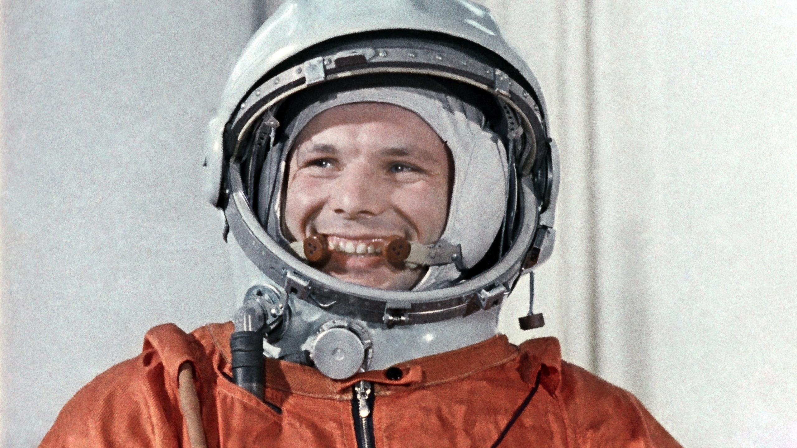 Картинки космонавта и летчиках