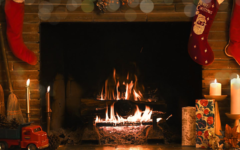 картинка новогоднего камина с огнем в большом формате