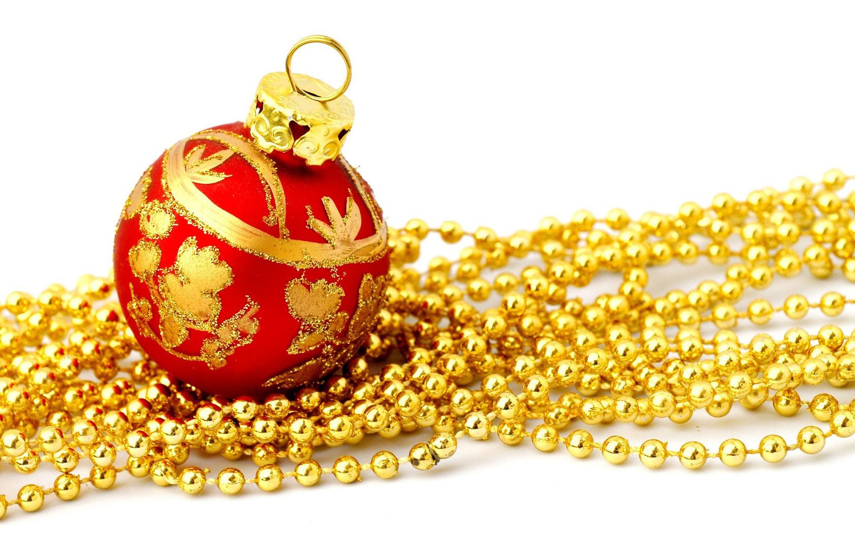 Золотистые новогодние игрушки картинки