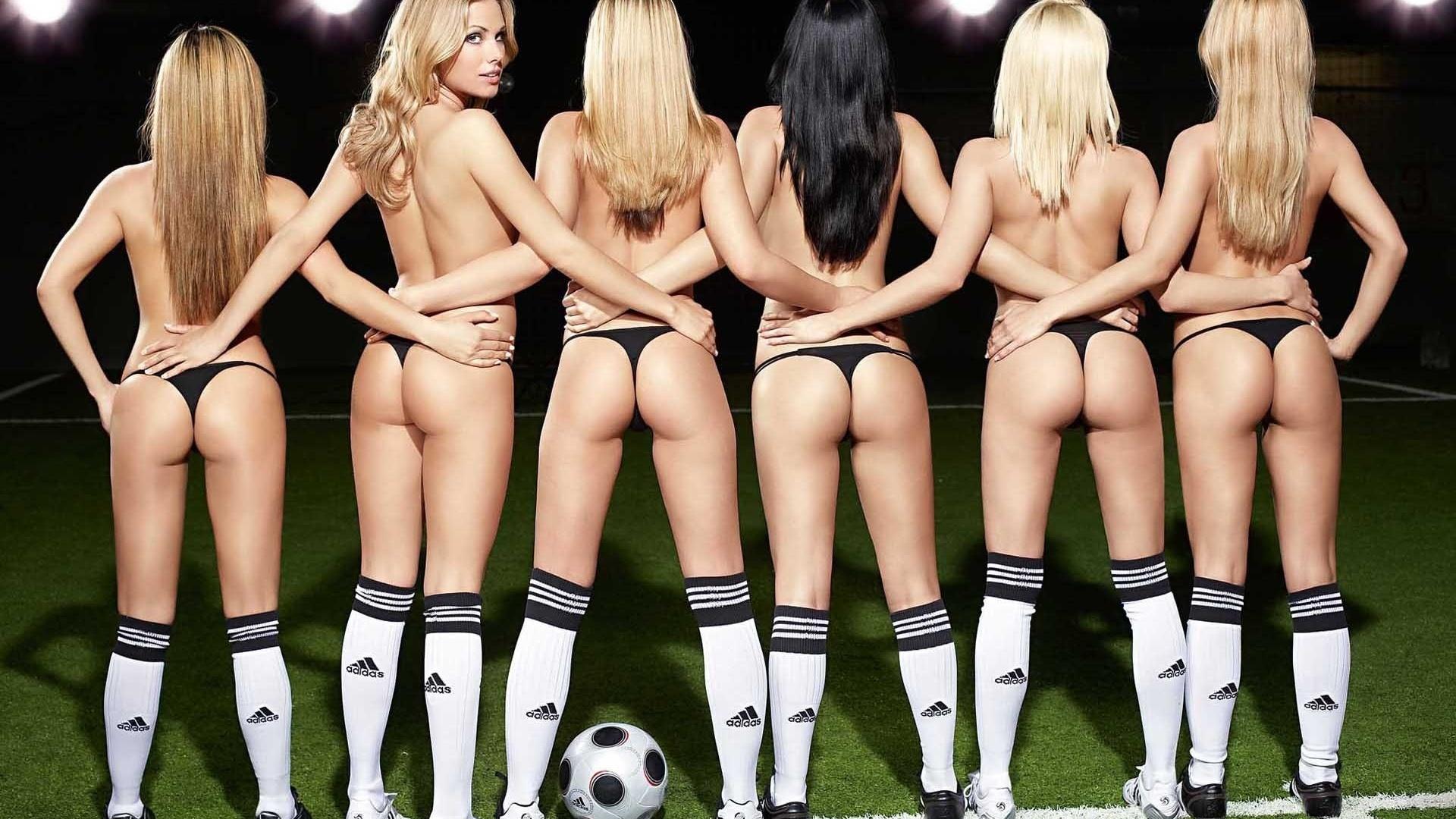porn-football-strip-sexy