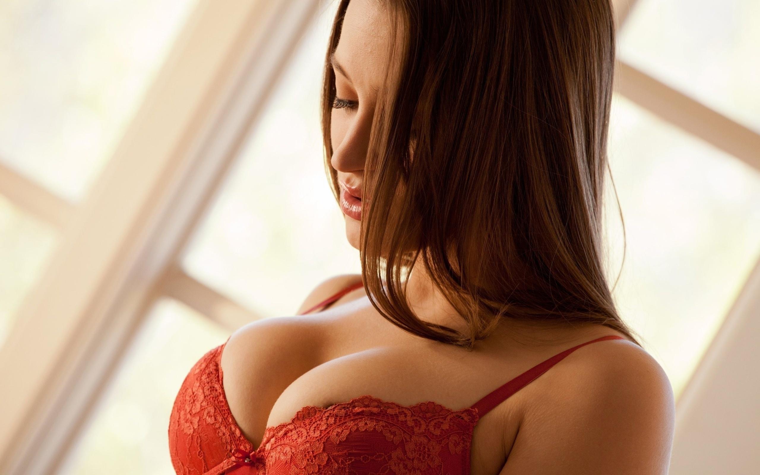 Sexy breast image amatuers having
