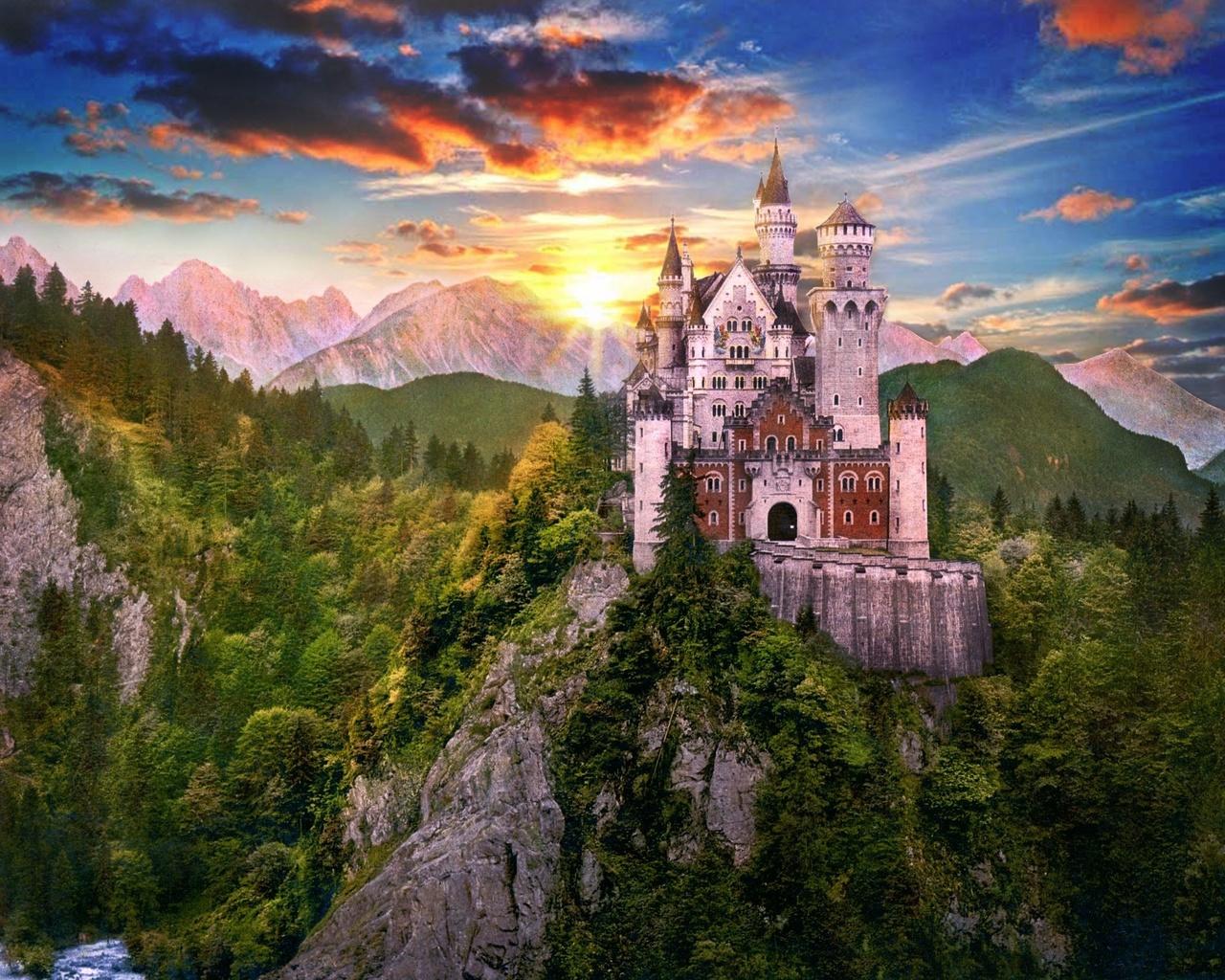 фото на аву замок в горах связи