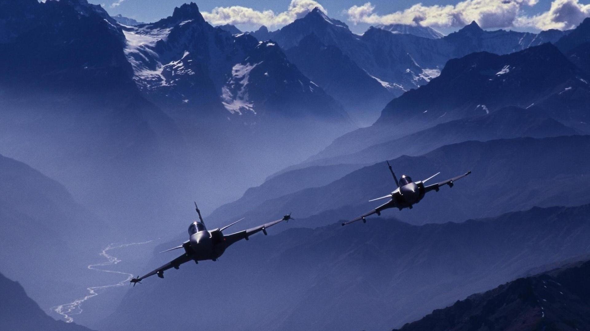 фото боевых самолетов над горами мчс сочи