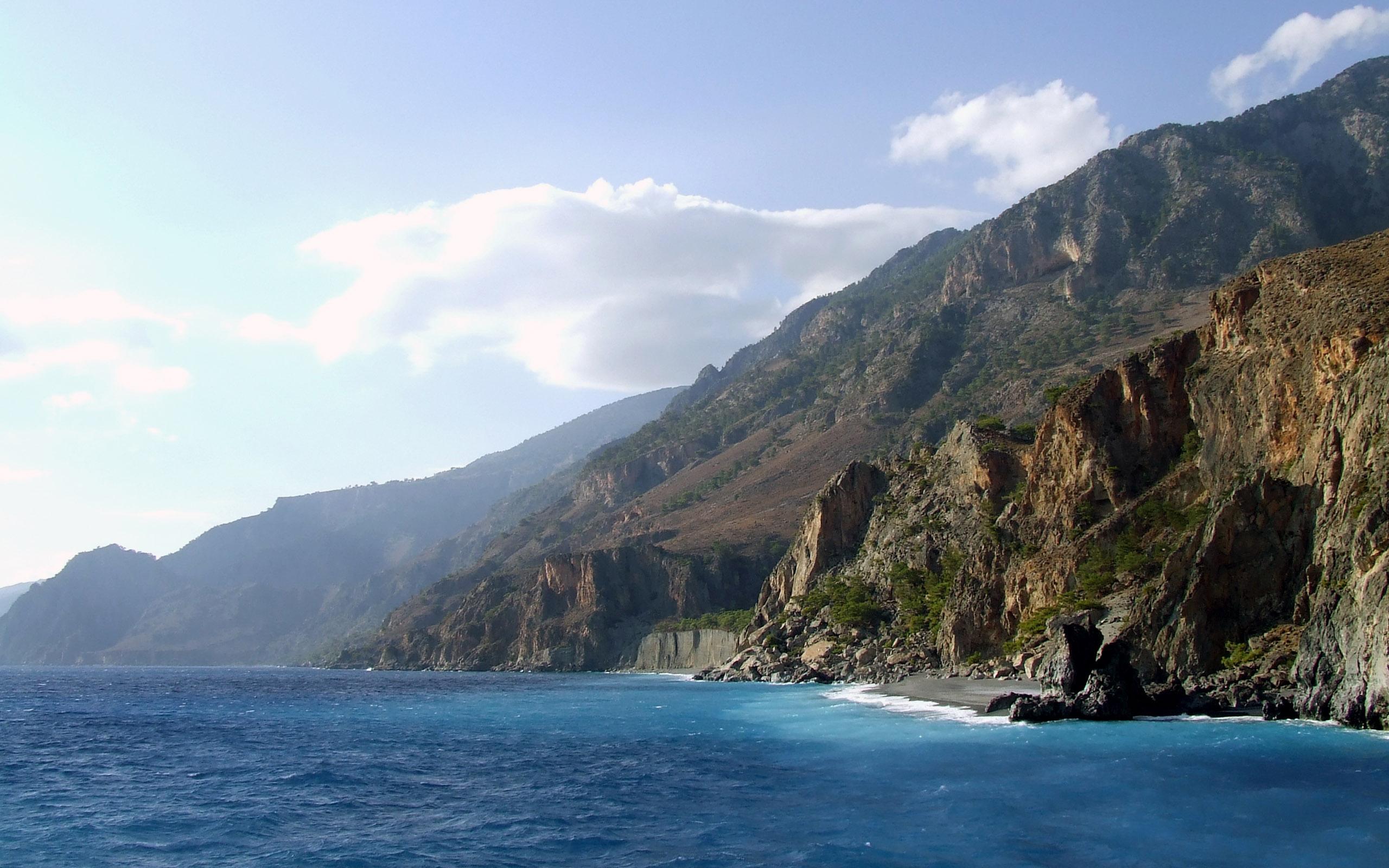 Картинки моря с горами