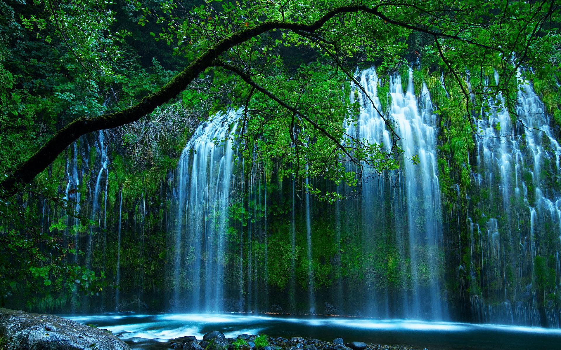 картинки живые водопады красивые на рабочий стол это
