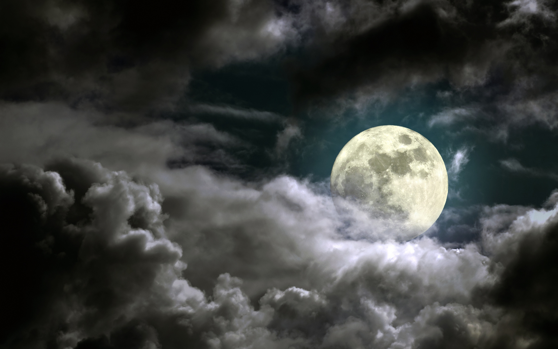 картинки луна облака ночью срезе можно