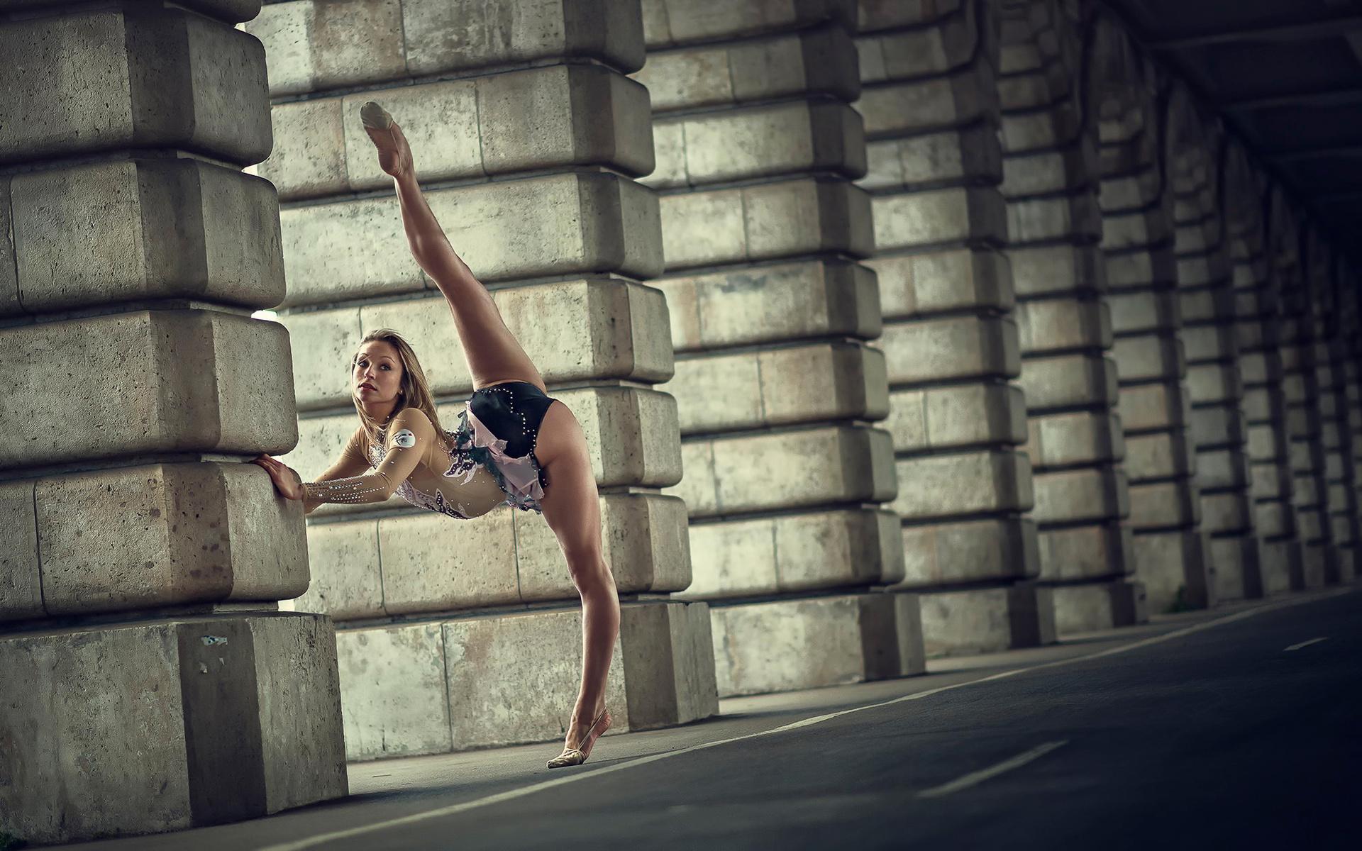 спортсменки гимнастки фото растяжка отправляется поиск места