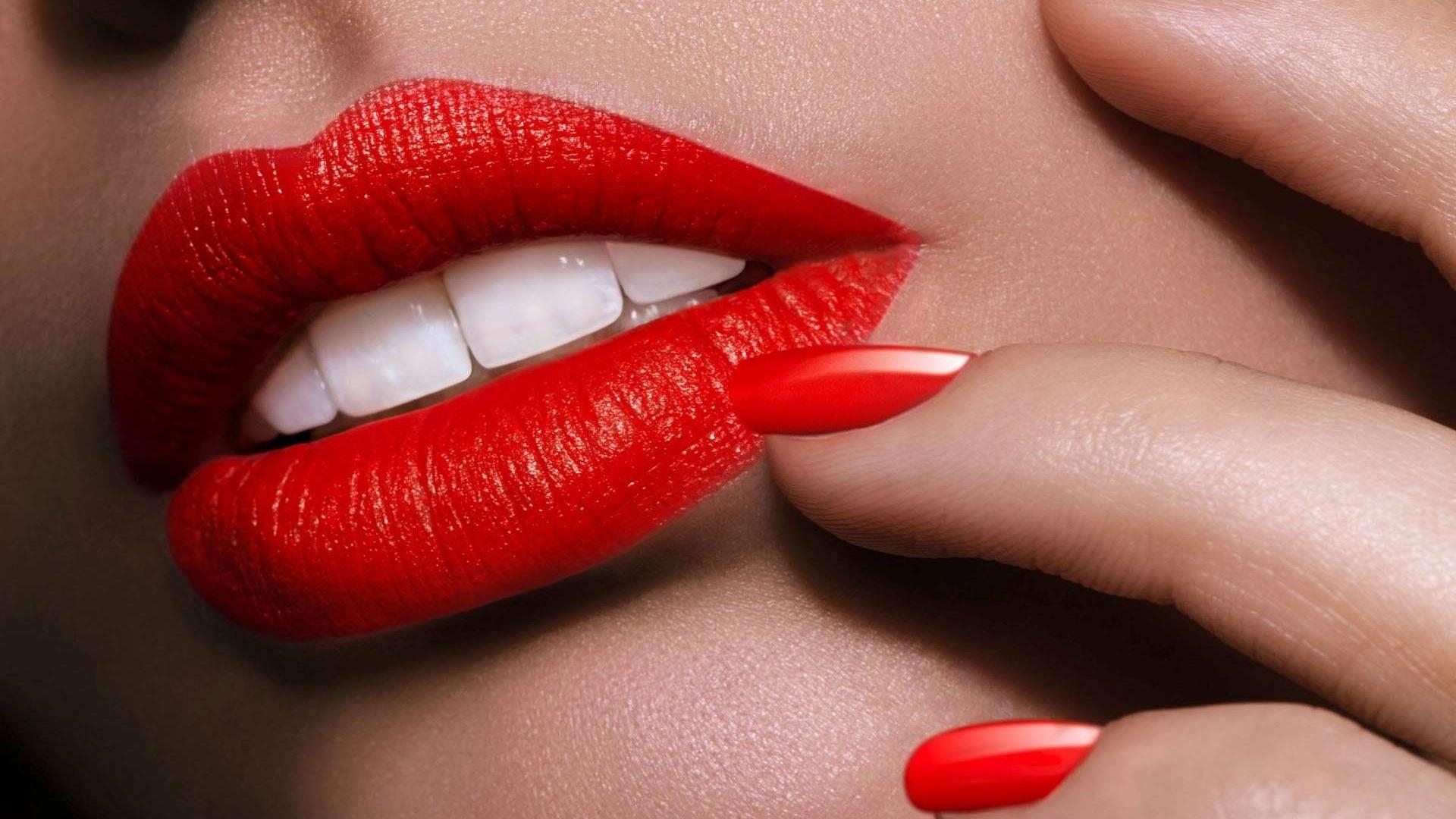 настораживает картинки красные губы стала одной лучших