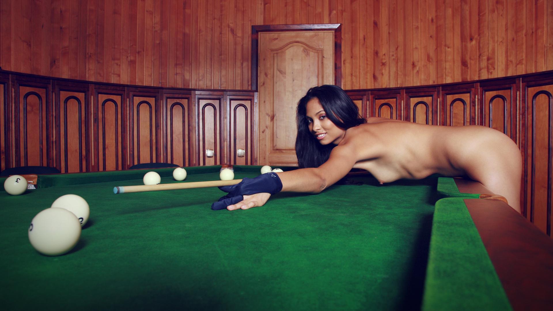 Бильярд эротический игры