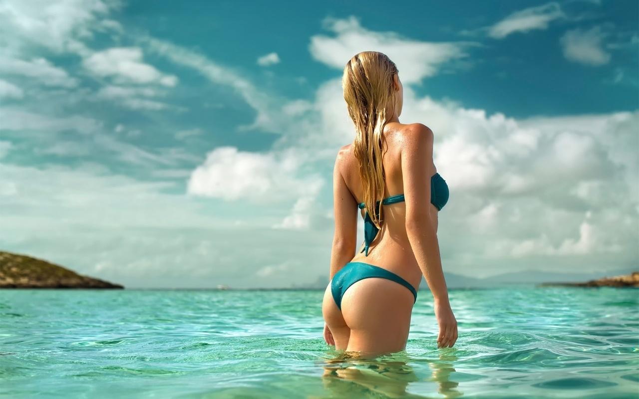 Смотреть картинки красивые девушки на море