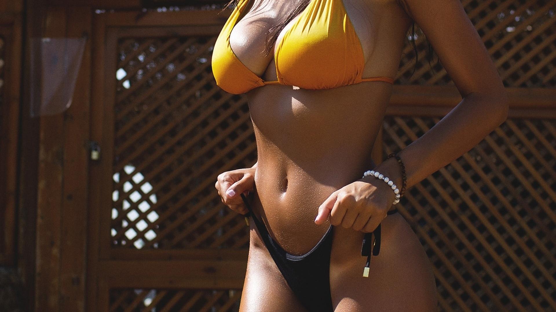 Блондинкой с идеальной охуительной секс фигурой с