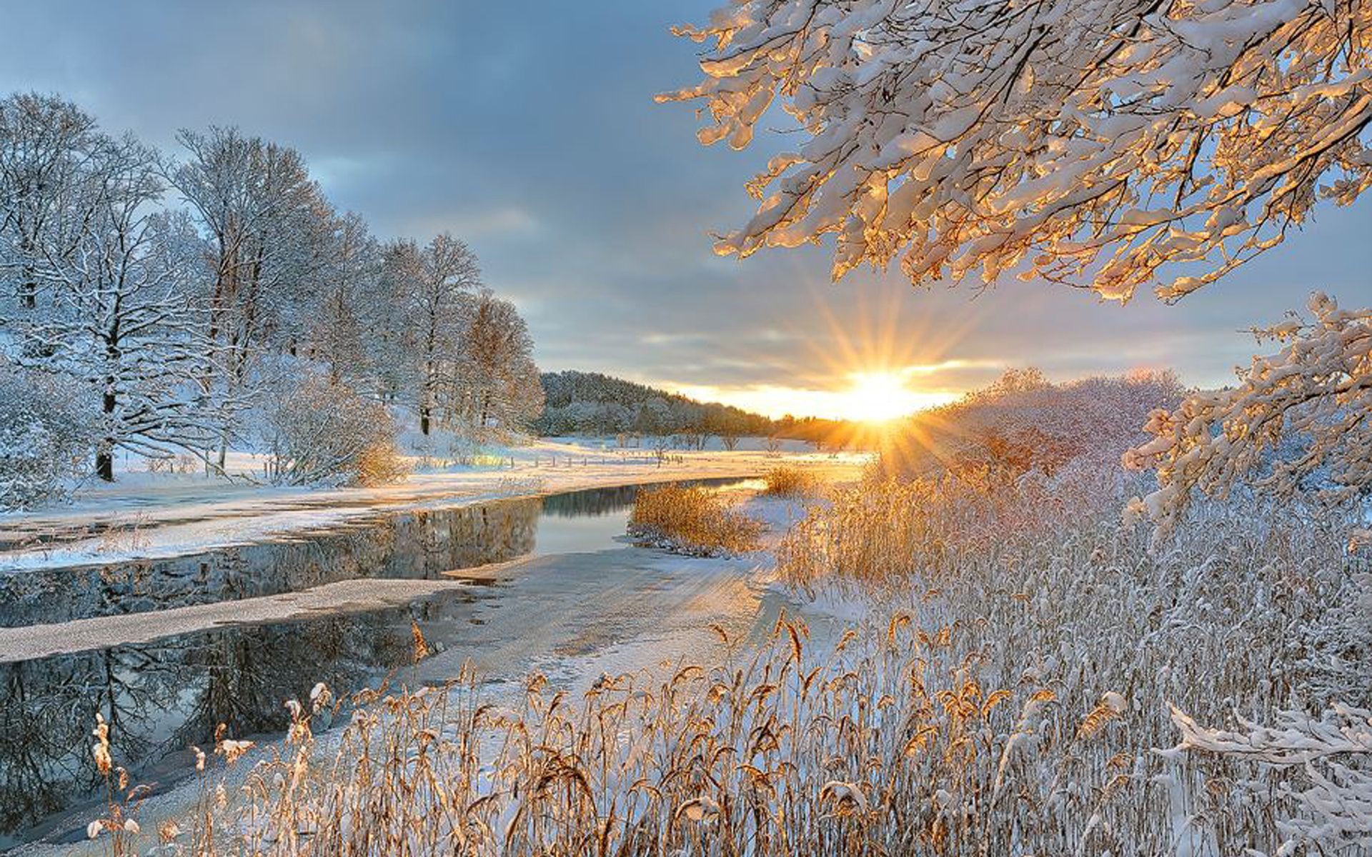 предлагает вам красивые картинки солнца и снега как вам