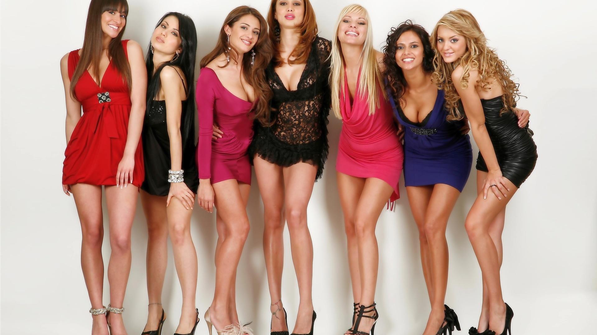 Картинка много красивых девушек