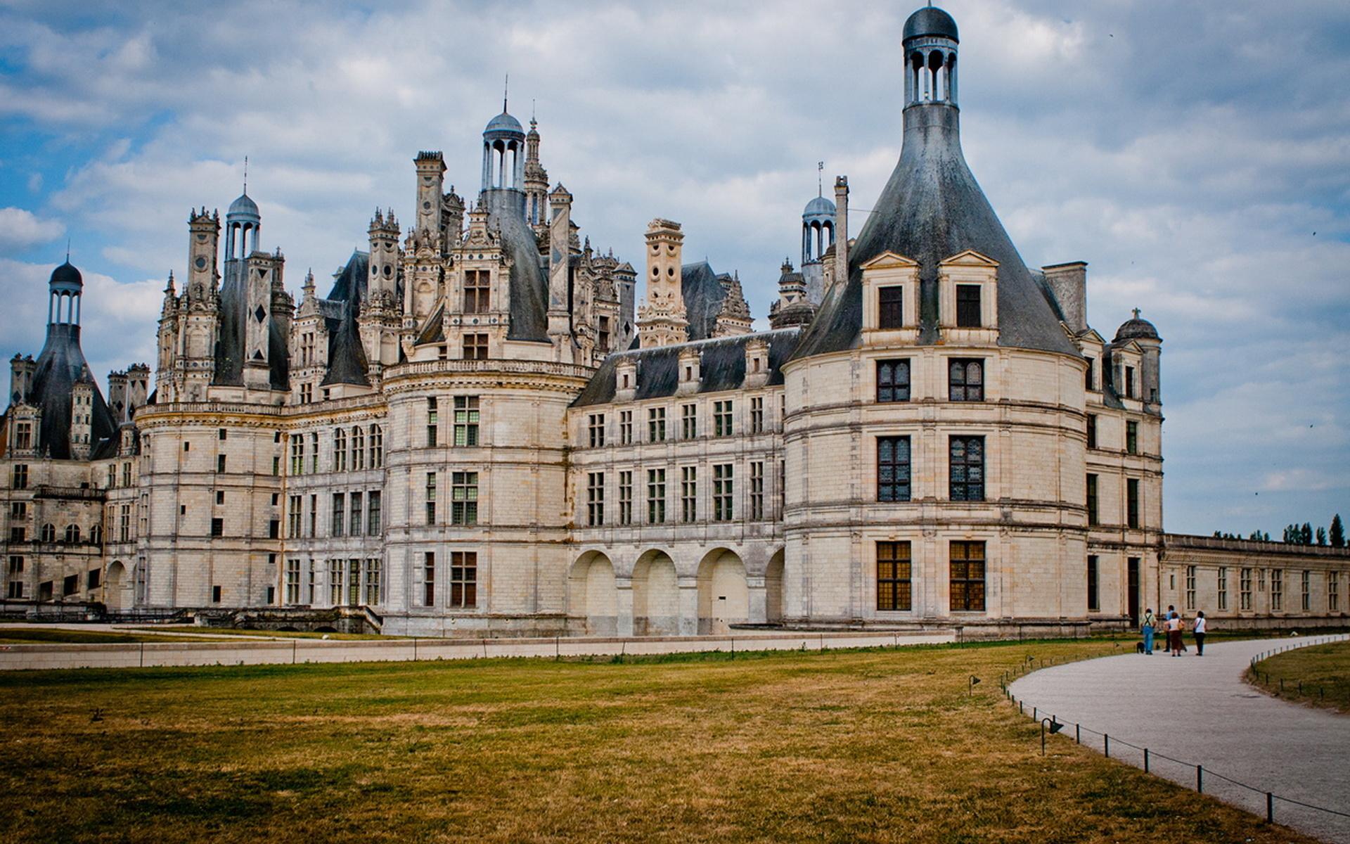 сала чеснока дворцы замки мира с описанием и фото поэтому
