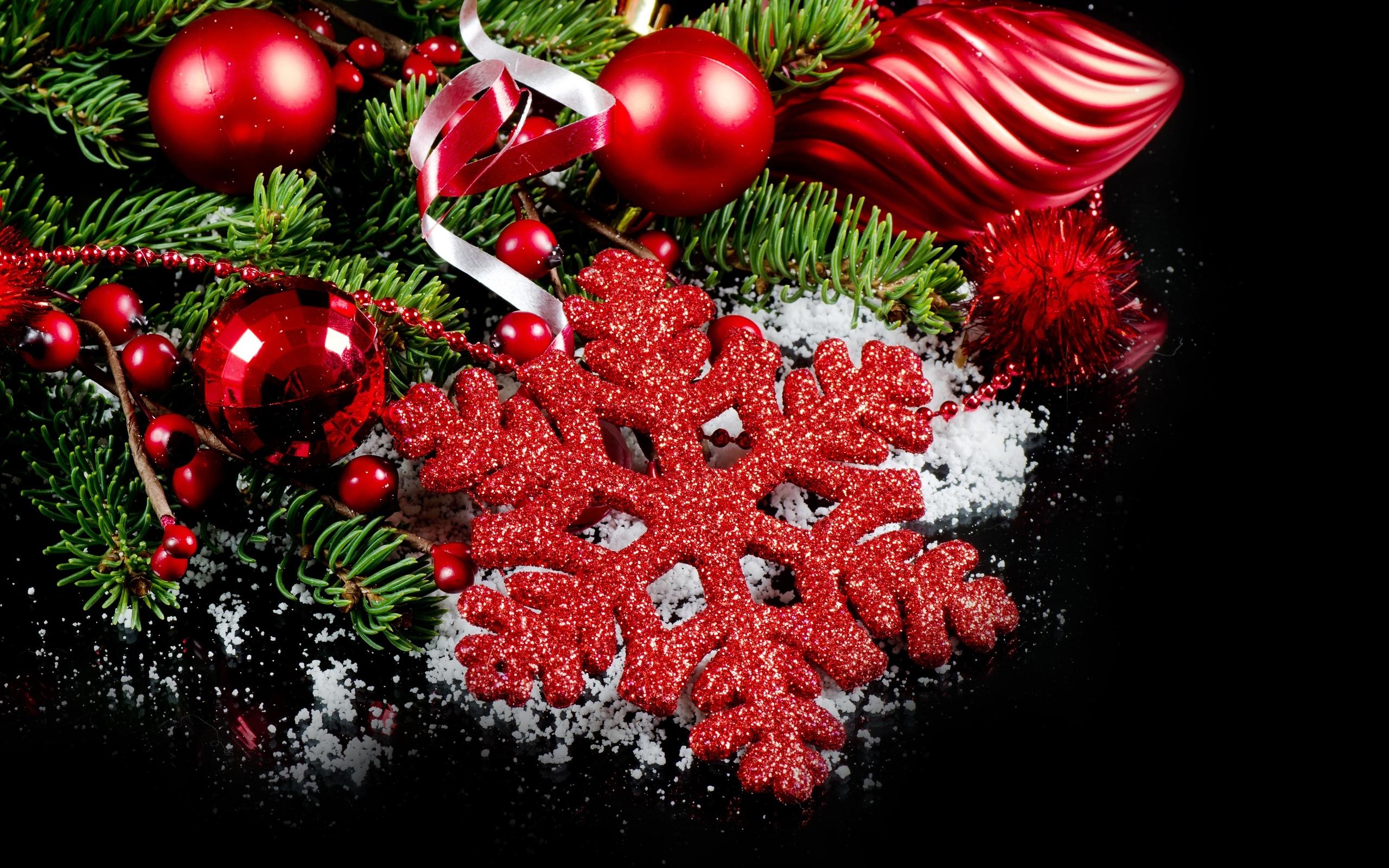 Новогодние картинки в красных цветах
