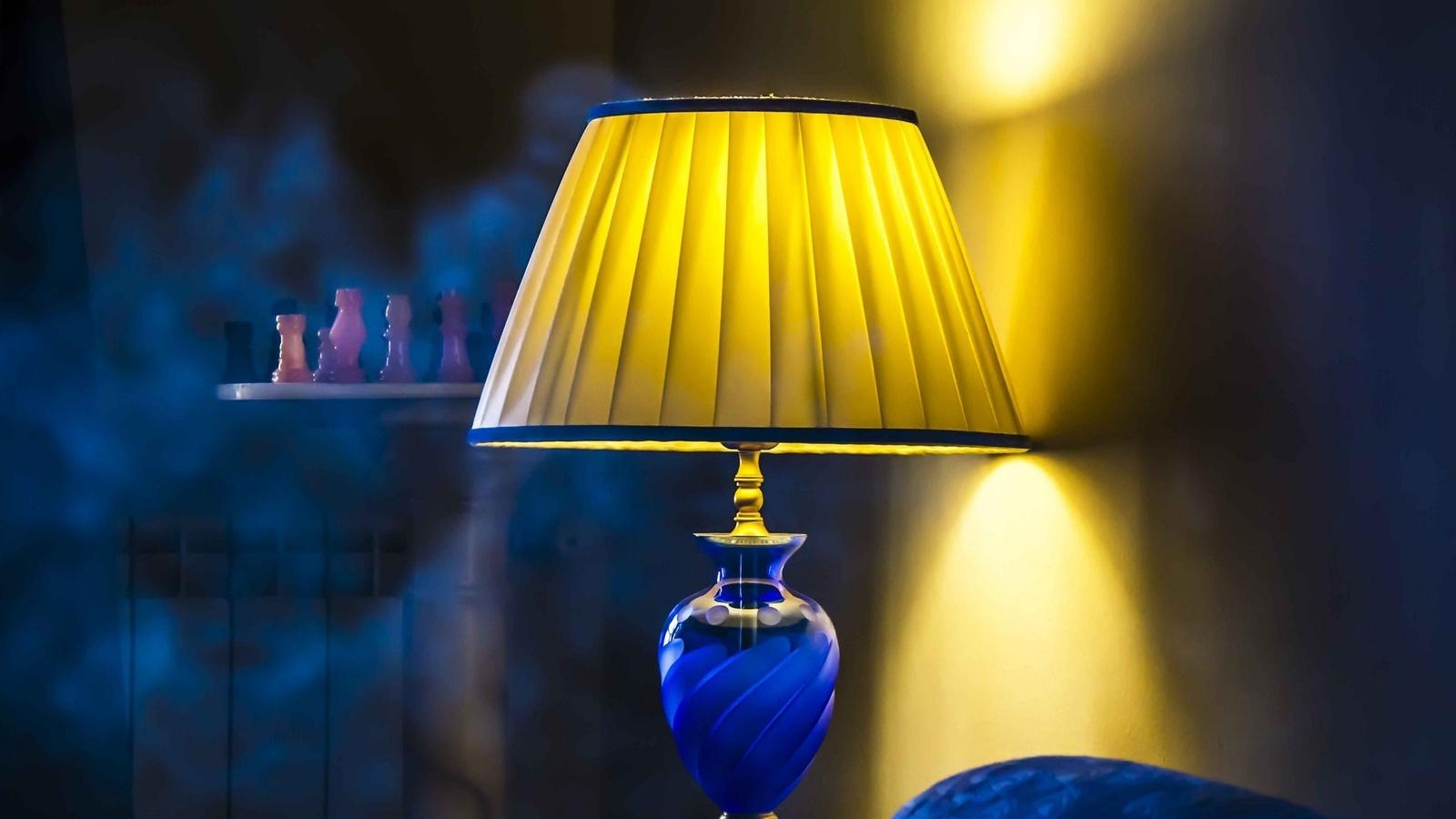 Картинки светильник на столе