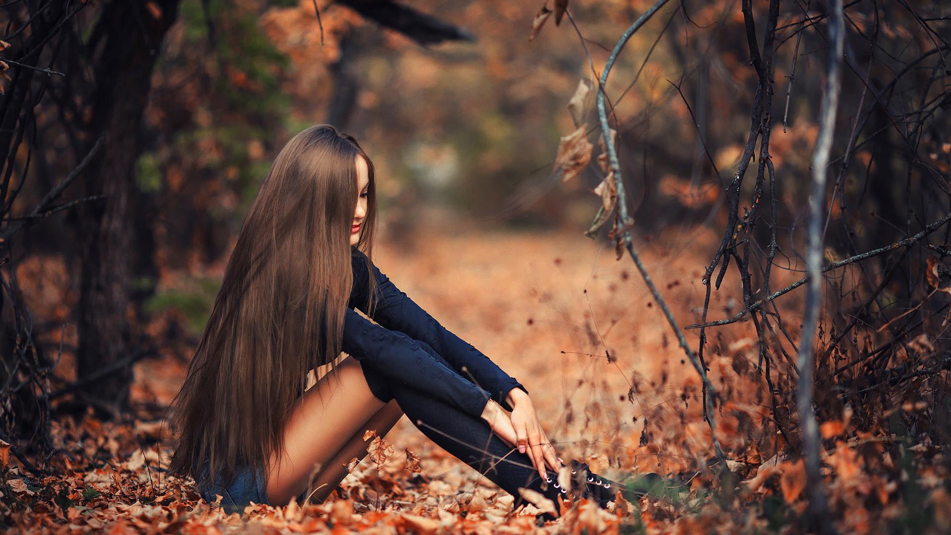 Картинки с женщинами красивые без лица на природе осенью