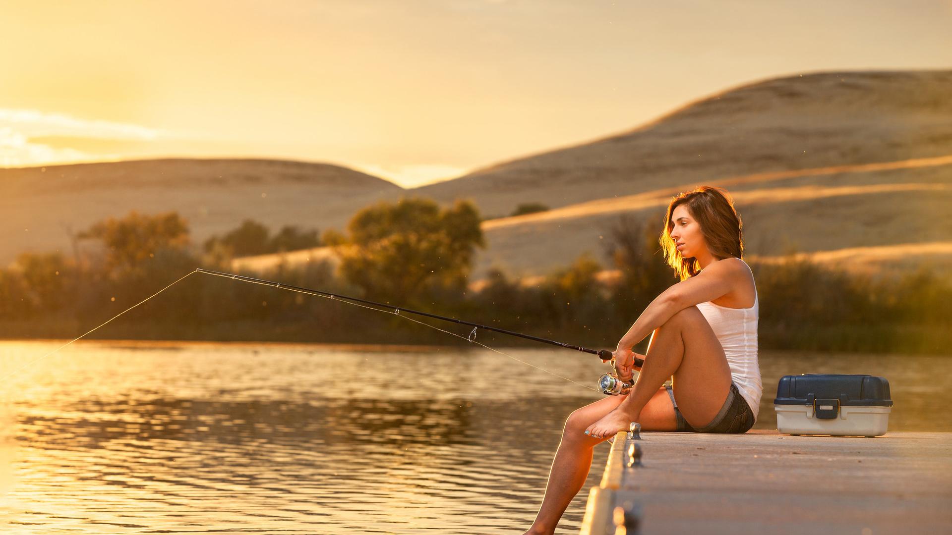 Картинка рыбалка женская