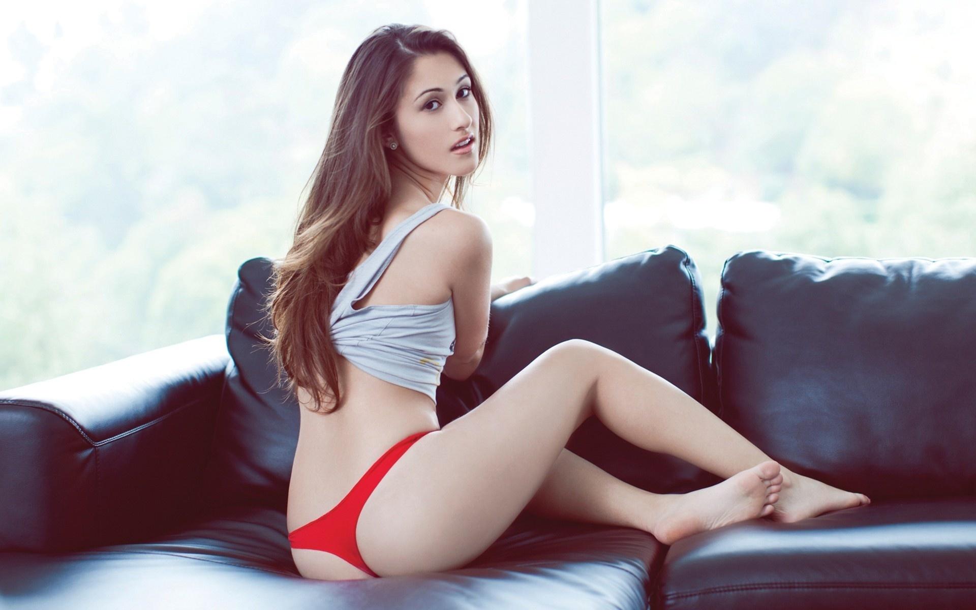 Petite brunette nice ass