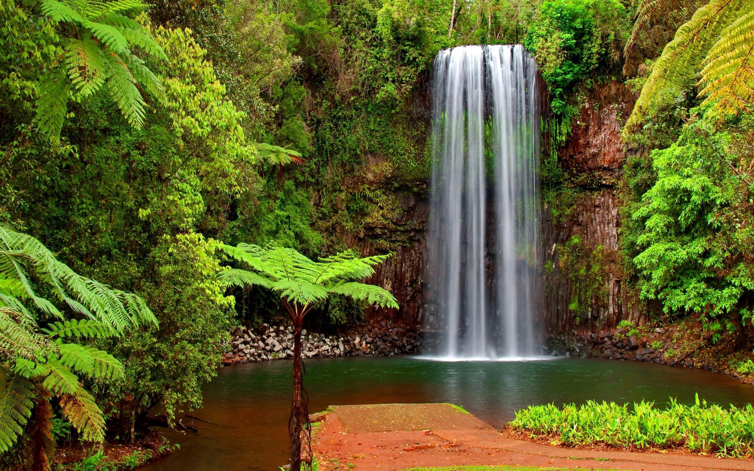 Красивая картинка на рабочий стол водопад