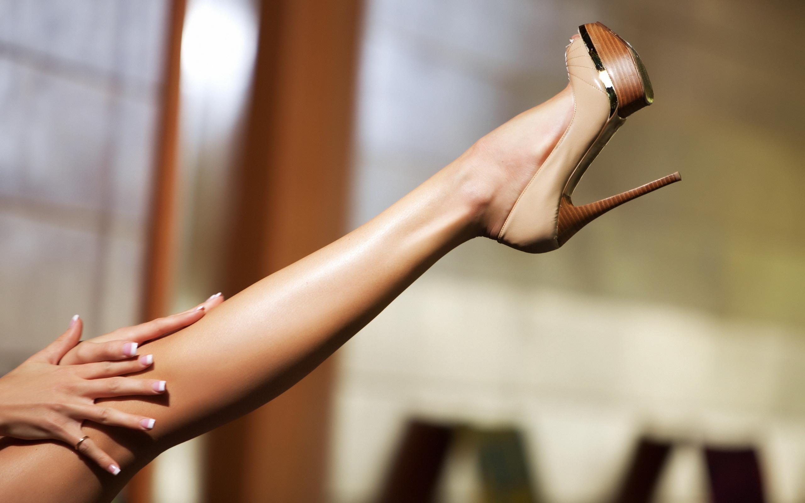картинки с ногами на каблуках итоге возникают