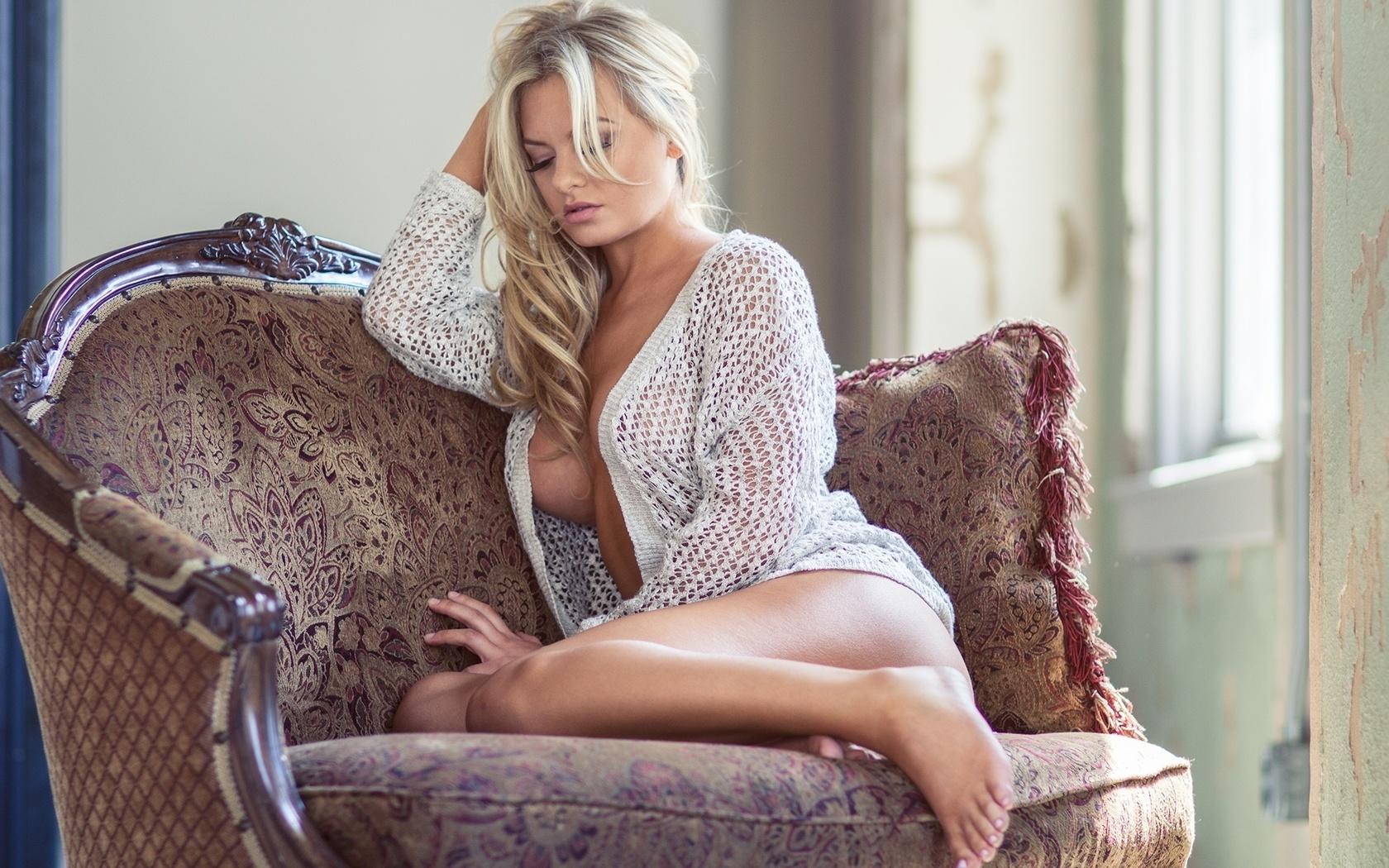ochen-seksualnaya-blondinka