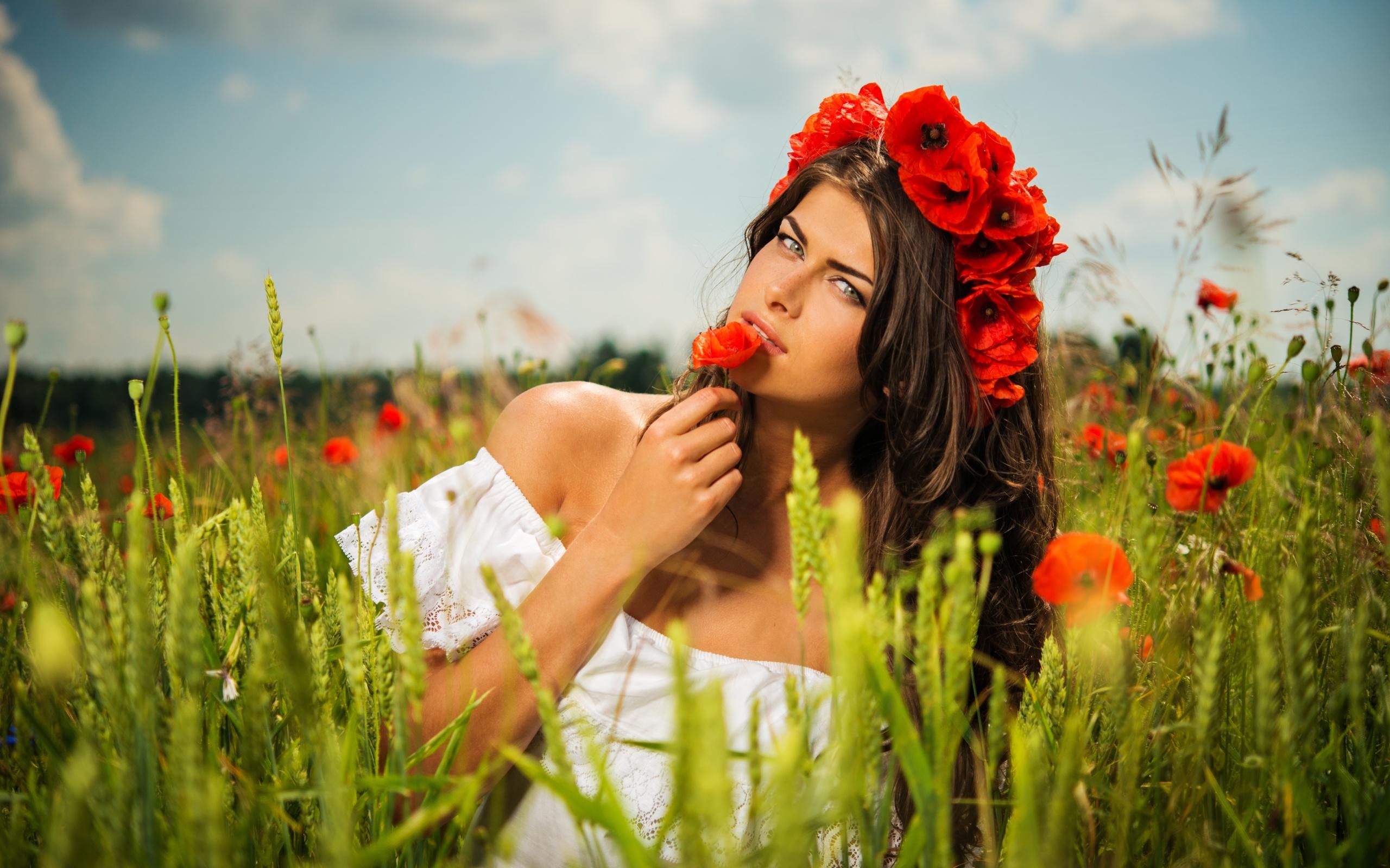 Девушка лето с цветами картинки