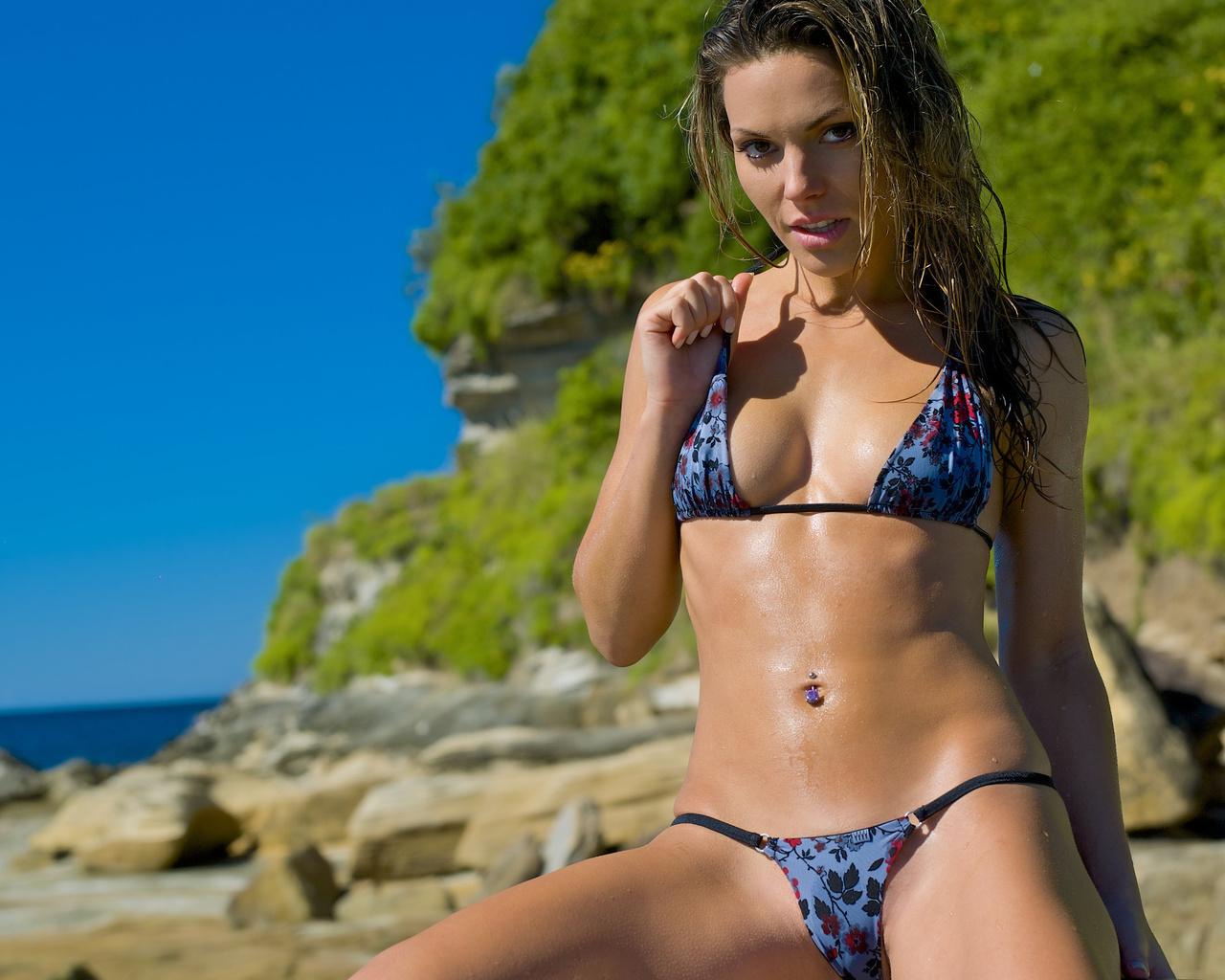 bikini-models-handjobs