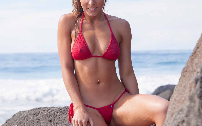 Bikini Model Sticky Handjob