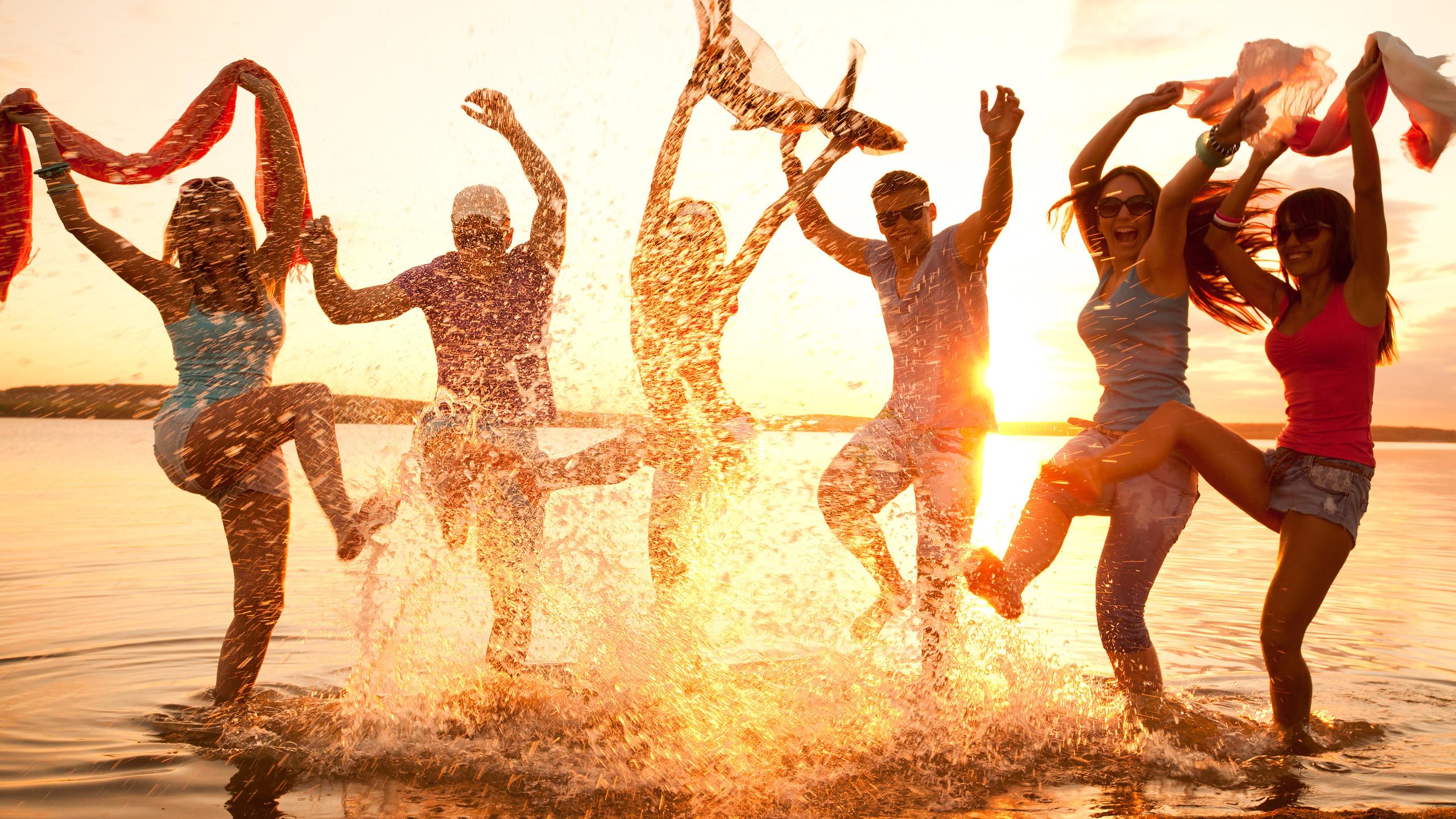 позитивные картинки про танцы цвете самой бухты