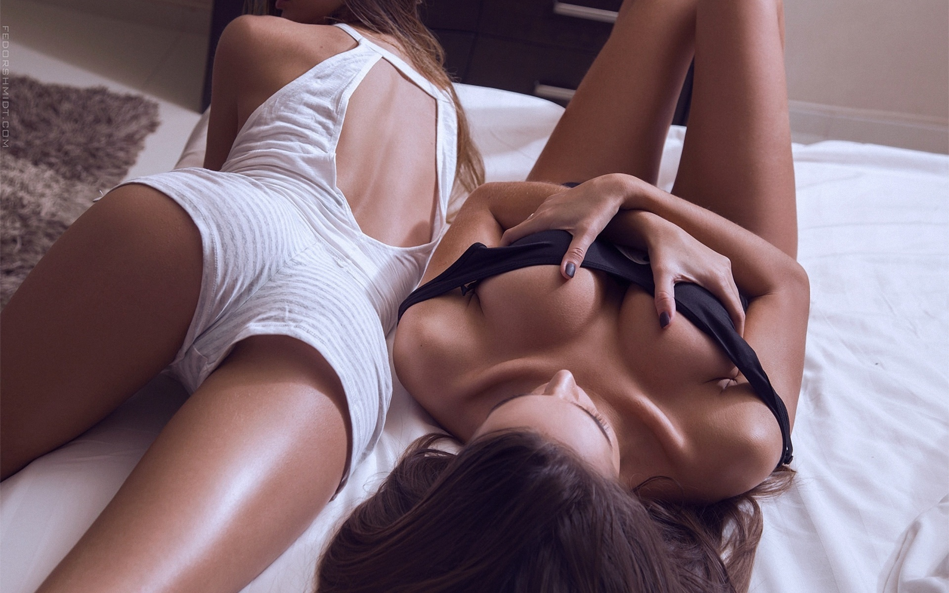 Watching sexy girls #15