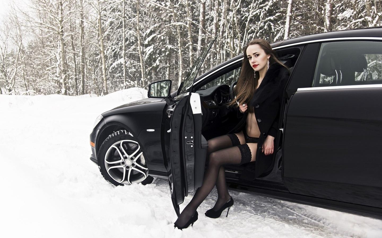 Фото зрелых женщин в чулках на фоне авто, смотреть любительский секс на катере
