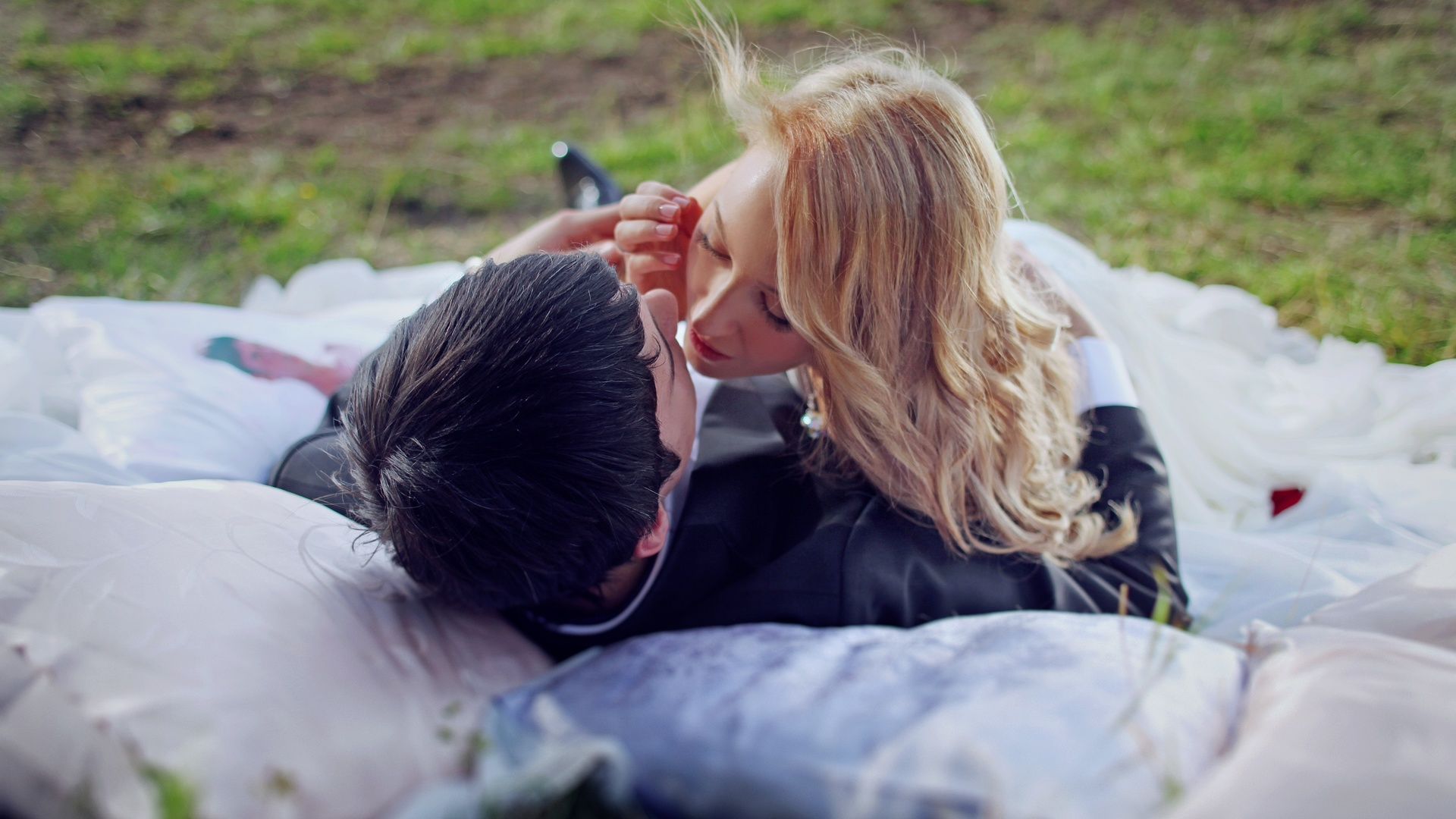 Красивые картинки парень с девушкой блондинкой